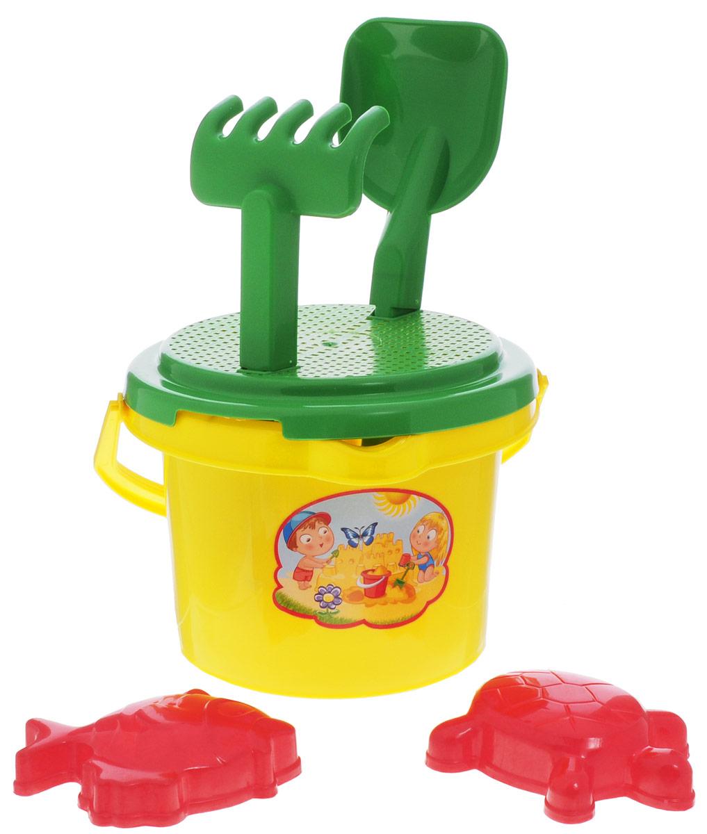 """Набор для игры с песком Zebratoys """"Солнышко"""" привлечет внимание вашего малыша и не позволит ему скучать. Набор предназначен для игры в песочнице, на пляже или во дворе загородного дома. Ударопрочный пластик и качественные красители надолго сохранят внешний вид игрушки и будут радовать ваших детей. В набор входит ведерко с ситом, совок, грабли, две формочки. С таким набором игры на свежем воздухе принесут вашему малышу одно удовольствие! Порадуйте его таким замечательным подарком!"""