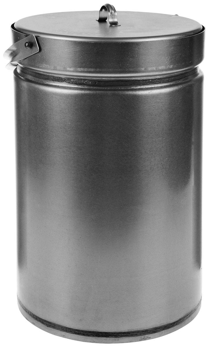 Коптилка К-250.00.000 коптильня391602Коптилка предназначена для приготовления в домашних условиях различных копченостей из мясных, рыбных продуктов и полуфабрикатов с использованием опилок для выделения дыма. Подогрев коптилки можно осуществлять на газовой плите или горелке. Герметичная крышка с гидрозатвором исключает попадание воздуха внутрь и воспламенение стружки.Объем 9 лВнутренний поддон4 крючка
