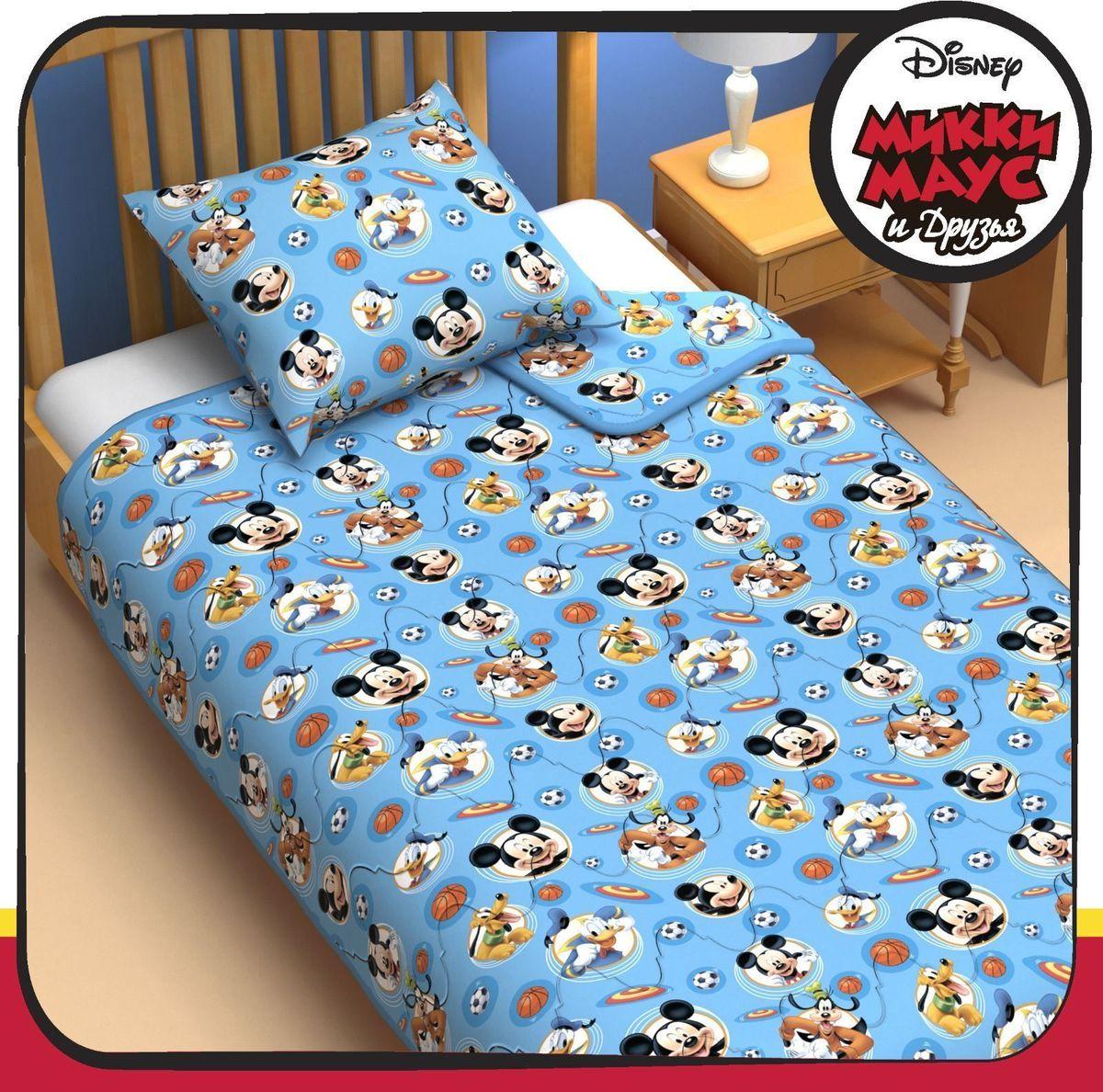 Disney Одеяло 1,5 спальное Микки Маус и его друзья 140 х 205 см 1153165531-105Сказочные сны с любимыми героями Disney. Маленький любитель мультфильмов Disney будет в восторге от этого яркого одеяла ! Оно подарит крохе захватывающие сны и по-настоящему доброе утро.Почему? Потому что одеяло изготовлено в России на современном оборудовании, а при нанесении рисунка использовались только качественные европейские красители.Над дизайном работала команда настоящих мастеров своего дела: очаровательные персонажи мультфильмов, детально проработанная картинка, гармоничное сочетание цветов — всё это результат их кропотливой работы.В качестве наполнителя для изделия используется файбер — практичный, безопасный и мягкий материал. Именно поэтому одеяло:поддерживает комфортную температуру тела во время сна;не способствует появлению аллергии и раздражения;позволяет коже дышать и впитывает влагу;хорошо переносит многочисленные стирки, сохраняя первоначальную форму и внешний вид;Чехол выполнен из поплина — прочной, невероятно приятной на ощупь хлопковой ткани, которая хорошо поддаётся окрашиванию и также позволяет коже дышать.Состав:Чехол: хлопок 100 %, поплин 125 г/м?.Наполнитель: файбер 200 г/м?. Рекомендации по уходу за изделием: стирайте при температуре не выше 40 °C без использования отбеливателей. Сушите в горизонтальном положении.
