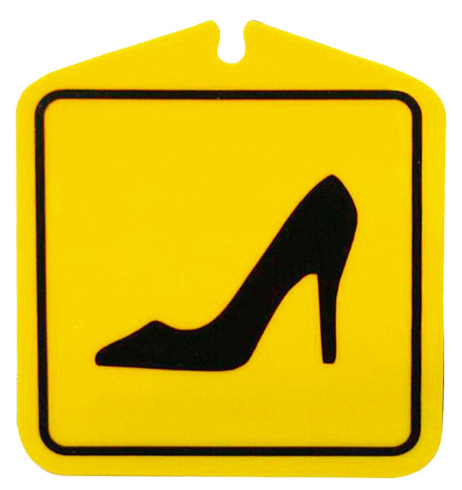 Табличка на присоске Оранжевый слоник Туфелька. 110T005RGBCA-3505Табличка на присоске Туфелька служит для обозначения, что за рулем девушка. Легкая переустановка, присоски не оставляют следов клея на стекле.