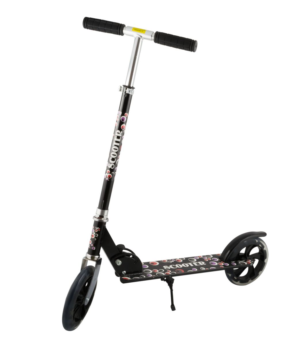Самокат 2-колесный SC-02 (200 мм), цвет: черныйPNG-FM70Самокат 2-х колесный SC-02 (200 мм) - это двухколесная модель с колесами 200-мм для взрослых и детей. Эргономичные резиновые грипсы. Телескопический руль. Удобная система складывания. Алюминиевая дека. Металлический тормоз. Полиуретановые 200-мм колеса. Подножка для устойчивости самоката. Подшипники ABEC 7 для быстрой и плавной езды.Технические характеристики:Дека: алюминийРучки: резинаРуль: алюминийМатериал колеса (внутр): полипропиленМатериал колеса (внешний): полиуретанРегулировка руля: естьСистема складывания: естьРазмер колеса, мм: 200Подшипники: Abec-7Цвет: черныйВес, гр: 3350Производство: КНРЕд. изм: шт.Кратность товара: 1Количество в коробке: 6