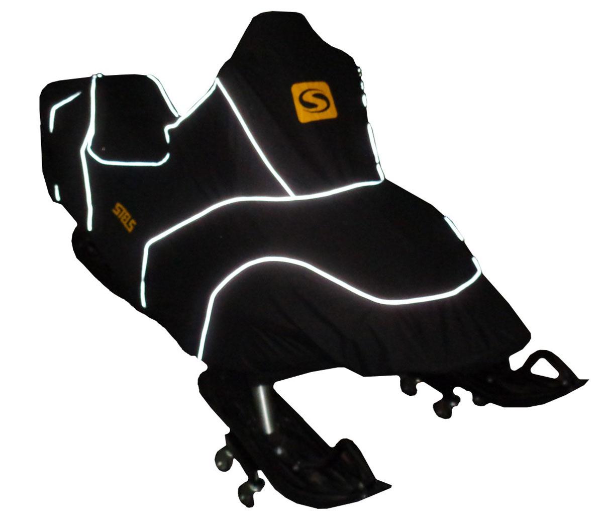 Чехол транспортировочный AG-brand для снегохода Stels V800 Росомаха, цвет: черныйKGB GX-3Чехол для транспортировки Снегохода Stels V800 Росомаха. Чехол выполнен из прочной влагоотталкивающей ткани плотностью 600 Den, с применением армированных ниток. По нижней кромке чехла вшита плотная резинка, обеспечивающая надежную фиксацию на снегоходе.В комплект транспортировочного чехла входит прочная текстильная стропа для крепления техники в прицепе или специальном боксе для перевозки. Светоотражающий кант делает технику заметной в темное время суток.