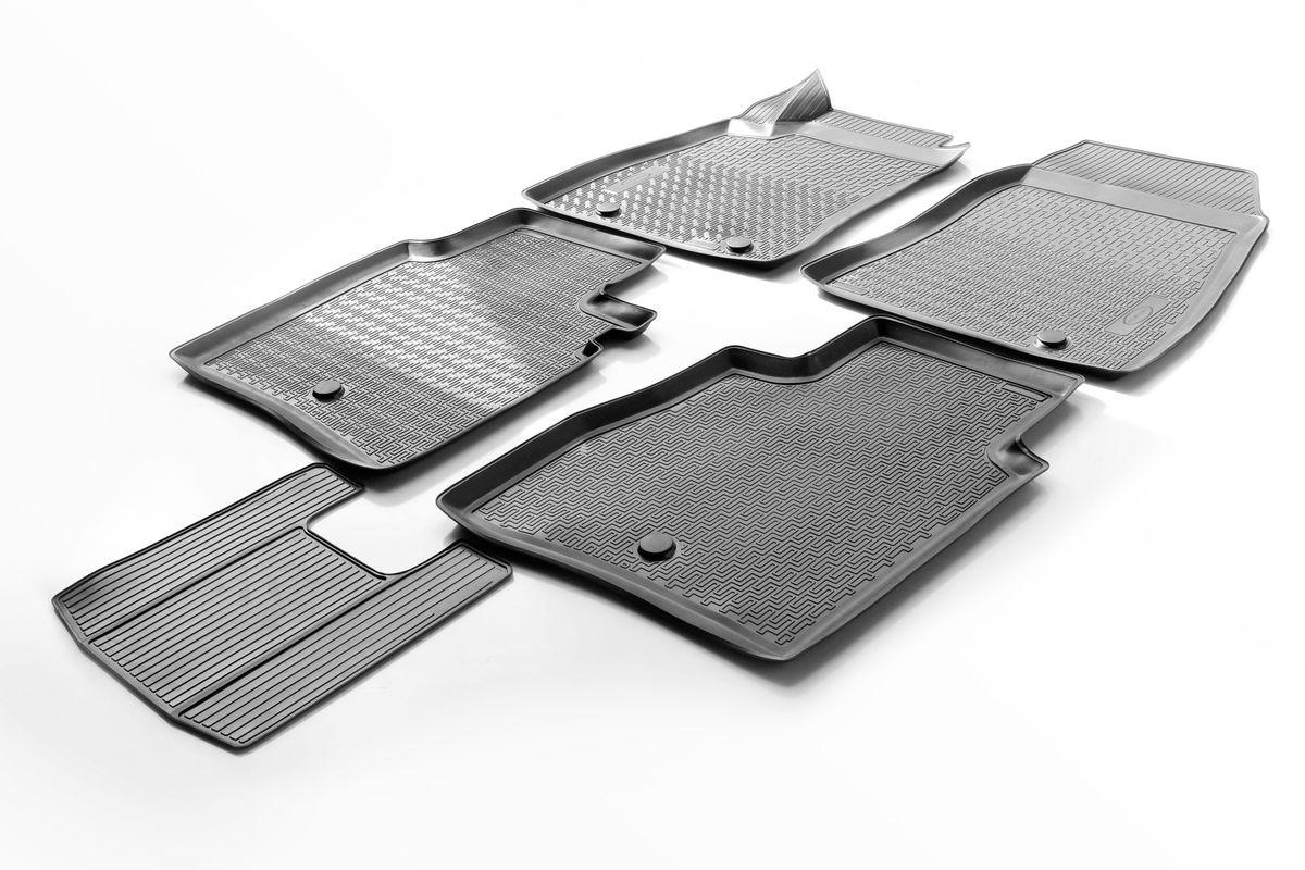 Коврики салона Rival для Nissan Sentra 2014-, c перемычкой, полиуретанCA-3505Прочные и долговечные коврики Rival в салон автомобиля, изготовлены из высококачественного и экологичного сырья, полностью повторяют геометрию салона вашего автомобиля.- Надежная система крепления, позволяющая закрепить коврик на штатные элементы фиксации, в результате чего отсутствует эффект скольжения по салону автомобиля.- Высокая стойкость поверхности к стиранию.- Специализированный рисунок и высокий борт, препятствующие распространению грязи и жидкости по поверхности коврика.- Перемычка задних ковриков в комплекте предотвращает загрязнение тоннеля карданного вала.- Произведены из первичных материалов, в результате чего отсутствует неприятный запах в салоне автомобиля.- Высокая эластичность, можно беспрепятственно эксплуатировать при температуре от -45 ?C до +45 ?C.Уважаемые клиенты!Обращаем ваше внимание,что коврики имеет формусоответствующую модели данного автомобиля. Фото служит для визуального восприятия товара.