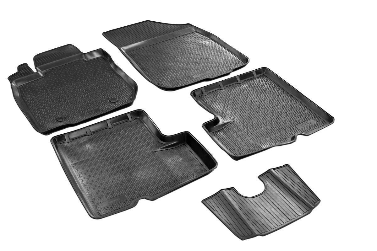 Коврики салона Rival для Renault Duster (4WD) 2010-2015, c перемычкой, полиуретан14701005Прочные и долговечные коврики Rival в салон автомобиля, изготовлены из высококачественного и экологичного сырья, полностью повторяют геометрию салона вашего автомобиля.- Надежная система крепления, позволяющая закрепить коврик на штатные элементы фиксации, в результате чего отсутствует эффект скольжения по салону автомобиля.- Высокая стойкость поверхности к стиранию.- Специализированный рисунок и высокий борт, препятствующие распространению грязи и жидкости по поверхности коврика.- Перемычка задних ковриков в комплекте предотвращает загрязнение тоннеля карданного вала.- Произведены из первичных материалов, в результате чего отсутствует неприятный запах в салоне автомобиля.- Высокая эластичность, можно беспрепятственно эксплуатировать при температуре от -45 ?C до +45 ?C.Уважаемые клиенты!Обращаем ваше внимание,что коврики имеет формусоответствующую модели данного автомобиля. Фото служит для визуального восприятия товара.