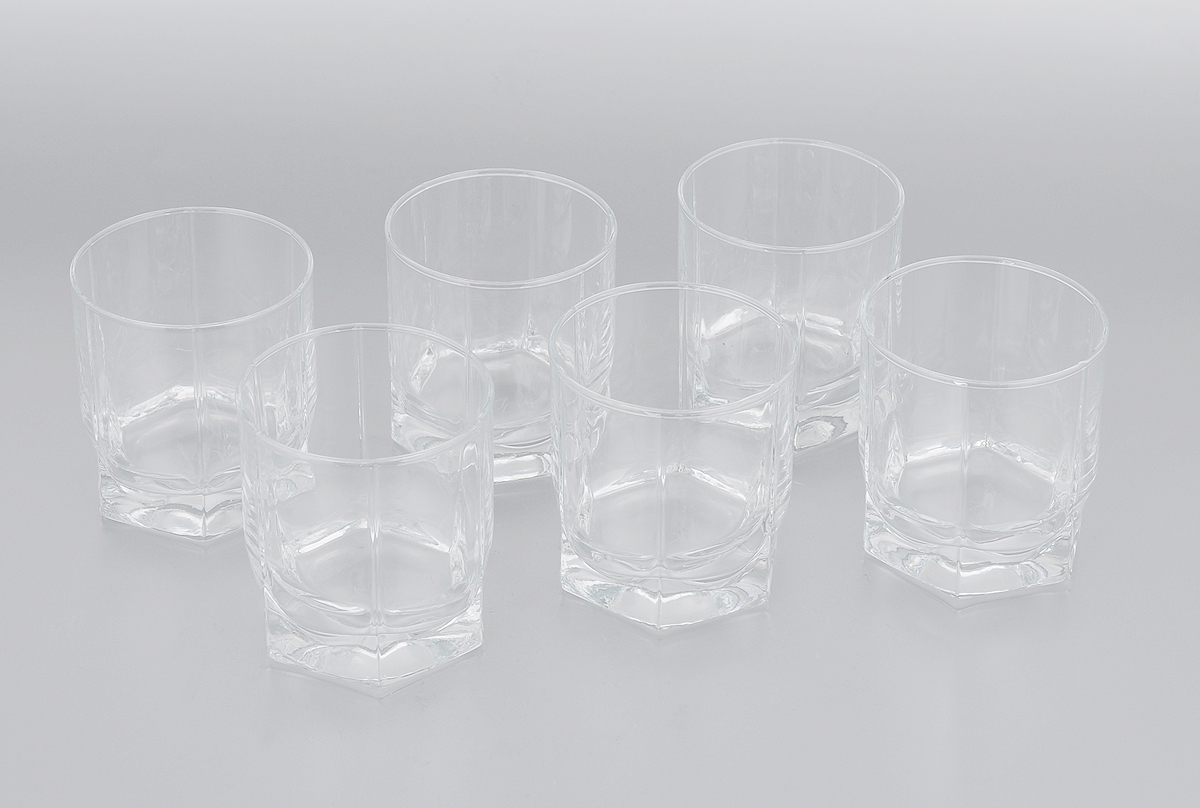 Набор стаканов Pasabahce Tango, 250 мл, 6 шт42943BНабор Pasabahce Tango, выполненный из закаленного натрий-кальций-силикатного стекла, состоит из шести стаканов. Низкие граненые стаканы с утолщенным дном предназначены для подачи виски. Их оценят как любители классики, так и те, кто предпочитает современный дизайн.Набор идеально подойдет для сервировки стола и станет отличным подарком к любому празднику. Можно мыть в посудомоечной машине.Диаметр стакана (по верхнему краю): 7 см. Высота стакана: 8 см.
