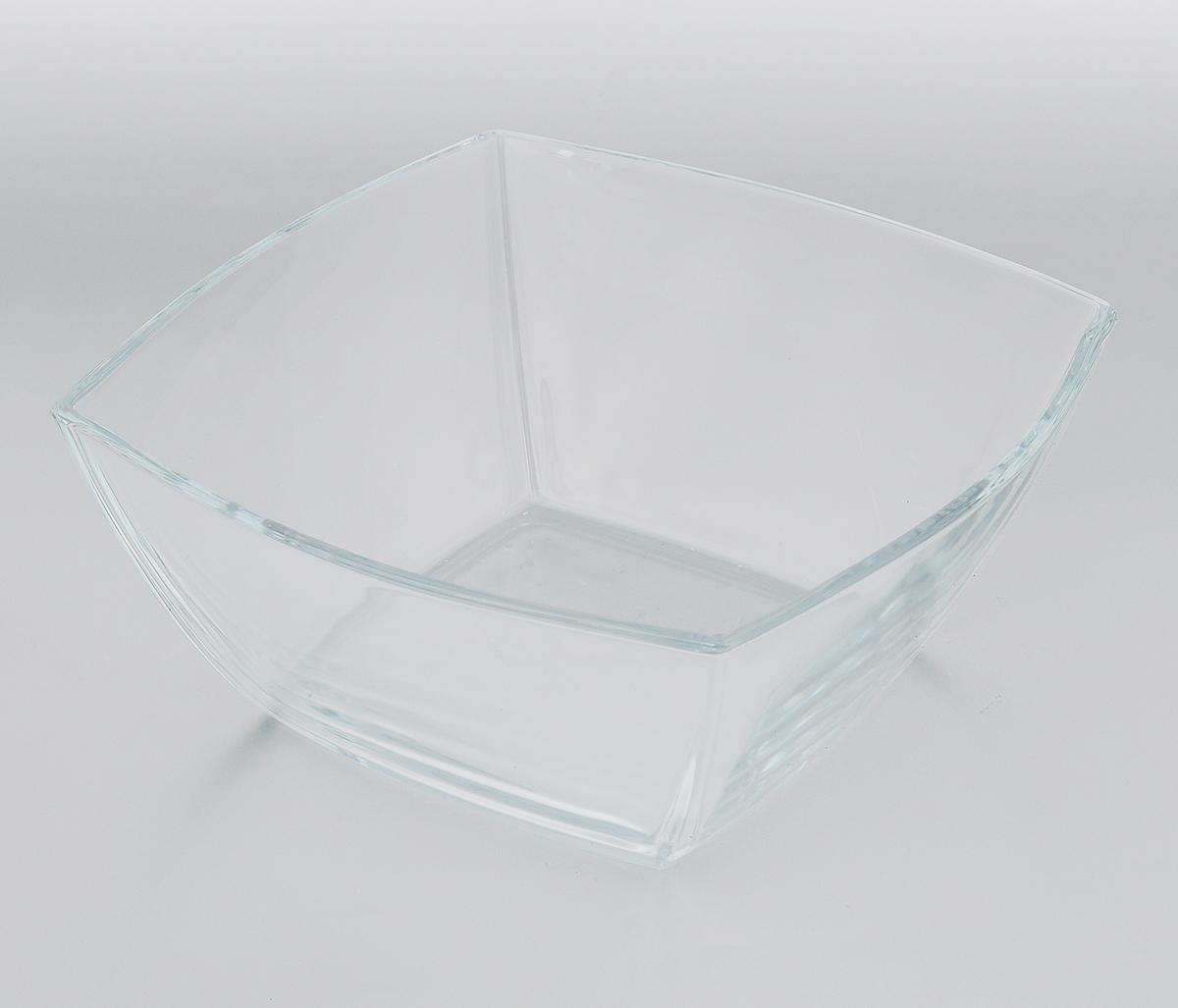 Салатник Pasabahce Tokio, 24 х 24 см54 009312Салатник Pasabahce Tokio, выполненный из прочного натрий-кальций-силикатного стекла, предназначен для красивой сервировки различных блюд. Салатник сочетает в себе лаконичный дизайн с максимальной функциональностью. Оригинальность оформления придется по вкусу и ценителям классики, и тем, кто предпочитает утонченность и изящность.Можно мыть в посудомоечной машине, также использовать в холодильнике, морозильной камере и микроволновой печи до +70°C. Размер салатника по верхнему краю: 24 х 24 см.