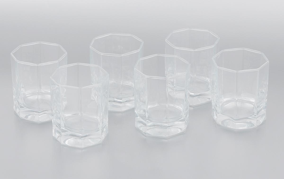 Набор стаканов Pasabahce Kosem, 200 мл, 6 штVT-1520(SR)Набор Pasabahce Kosem, выполненный из закаленного натрий-кальций-силикатного стекла, состоит из шести стаканов. Низкие граненые стаканы с утолщенным дном предназначены для подачи виски и других напитков с добавлением льда. Стаканы сочетают в себе элегантный дизайн и функциональность. Благодаря такому набору пить напитки будет еще вкуснее.Набор стаканов Pasabahce Kosem идеально подойдет для сервировки стола и станет отличным подарком к любому празднику.Можно использовать в морозильной камере и микроволновой печи. Можно мыть в посудомоечной машине. Диаметр стакана (по верхнему краю): 6,5 см. Высота стакана: 8,5 см.
