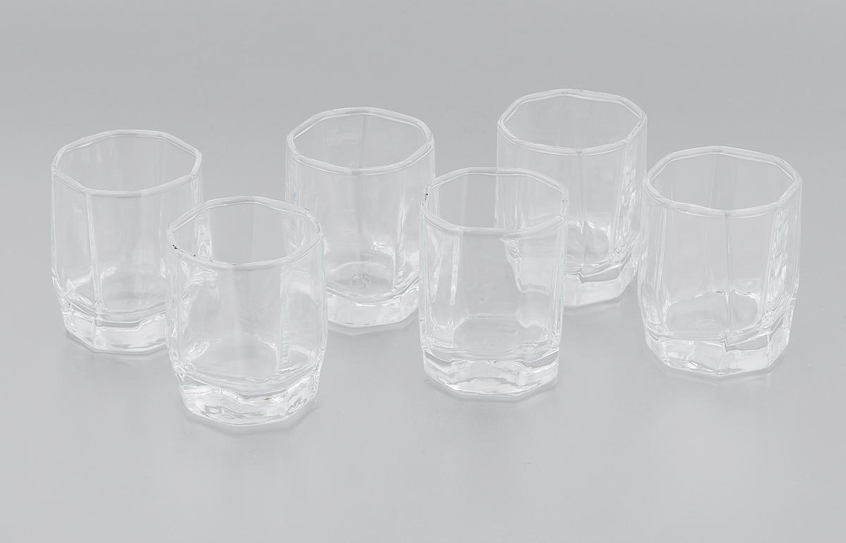 Набор стопок Pasabahce Hisar, 60 мл, 6 штVT-1520(SR)Набор Pasabahce Hisar, состоящий из шести стопок, несомненно, придется вам по душе. Стопки изготовлены из высококачественного натрий-кальций-силикатного стекла и имеют слегка скошенное дно. Изделия предназначены для подачи водки. Стопки выполнены в оригинальном дизайне и прекрасно будут смотреться за праздничным столом и на кухне в повседневной жизни.Набор стопок Pasabahce Hisar идеально подойдет для сервировки стола и станет отличным подарком к любому празднику.Можно мыть в посудомоечной машине и использовать в микроволновой печи.Высота стопки: 5,5 смРазмер стопки (по верхнему краю): 4 х 4 см.