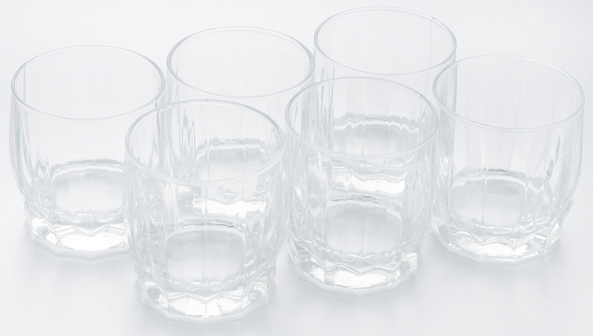 Набор стаканов для сока Pasabahce Dance, 230 мл, 6 штVT-1520(SR)Набор Pasabahce Dance состоит из шести стаканов, выполненных из закаленного натрий-кальций-силикатного стекла. Низкие граненые стаканы с широким горлышком предназначены для подачи сока, компота и других напитков. Стаканы сочетают в себе элегантный дизайн и функциональность.Набор стаканов Pasabahce Dance идеально подойдет для сервировки стола и станет отличным подарком к любому празднику.Можно использовать в морозильной камере и микроволновой печи. Можно мыть в посудомоечной машине. Диаметр стакана (по верхнему краю): 7 см. Высота стакана: 8 см.