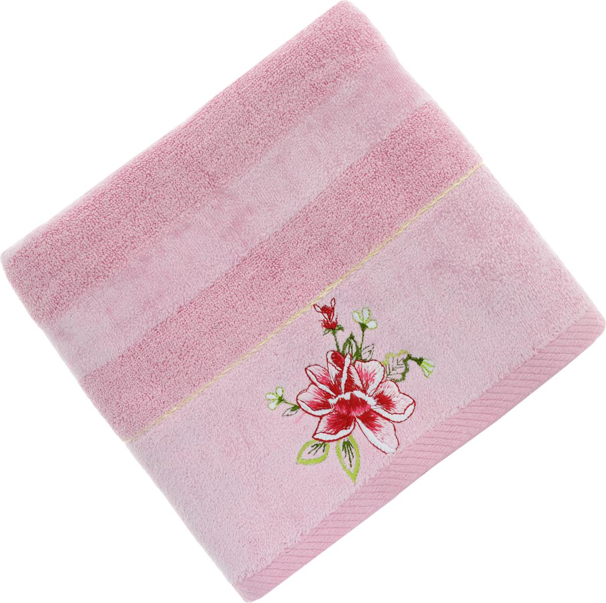 Полотенце Soavita Azalea, цвет: розовый, 50 х 90 смS03301004Полотенце Soavita Azalea выполнено из 100% хлопка. Изделие отлично впитывает влагу, быстро сохнет, сохраняет яркость цвета и не теряет форму даже после многократных стирок. Полотенце очень практично и неприхотливо в уходе. Оно создаст прекрасное настроение и украсит интерьер в ванной комнате.