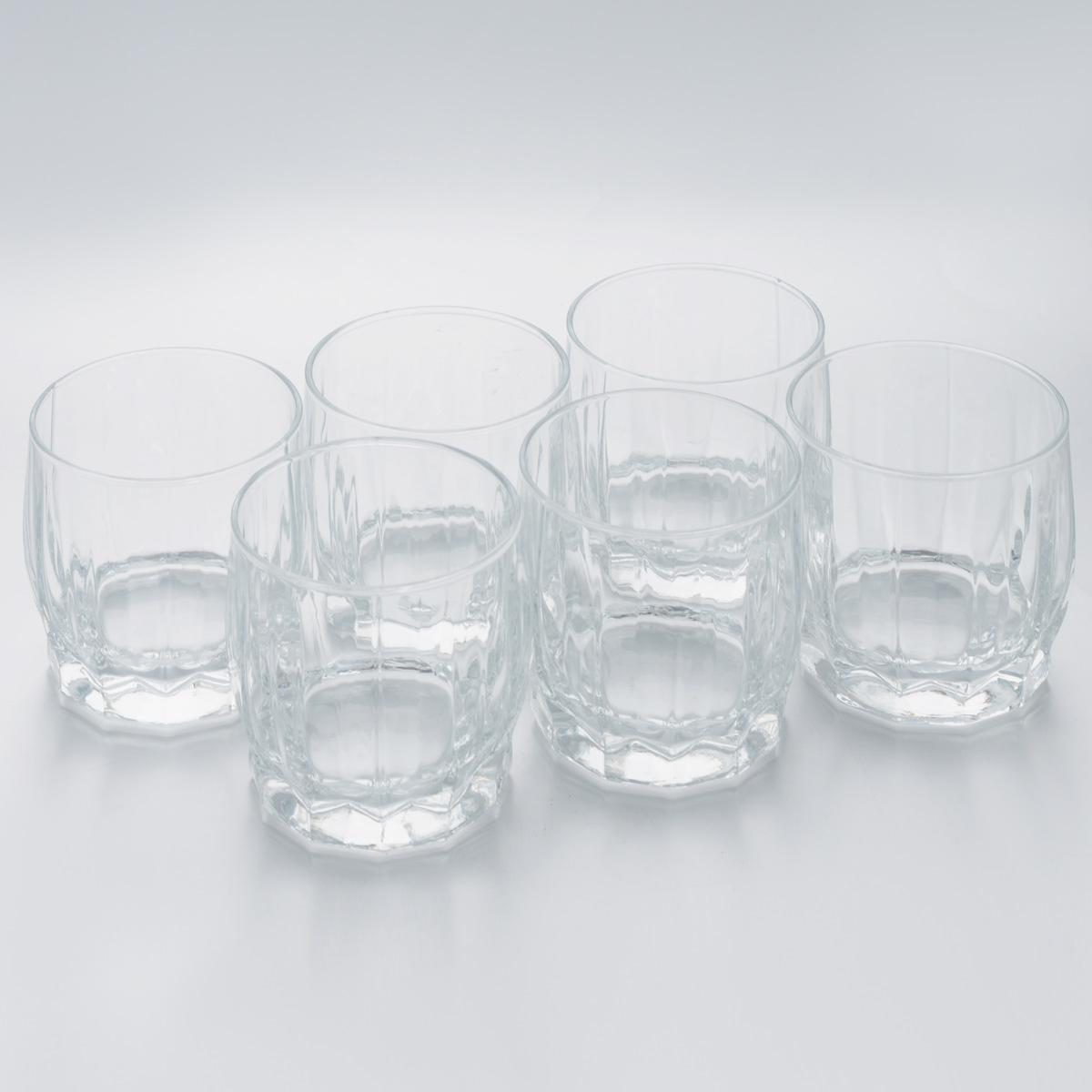 Набор стаканов Pasabahce Dance, 290 мл, 6 штVT-1520(SR)Набор Pasabahce Dance состоит из шести стаканов, выполненных из закаленного натрий-кальций-силикатного стекла. Низкие граненые стаканы с широким горлышком предназначены для подачи воды, сока, компота и других напитков. Стаканы сочетают в себе элегантный дизайн и функциональность.Набор стаканов Pasabahce Dance идеально подойдет для сервировки стола и станет отличным подарком к любому празднику.Можно использовать в морозильной камере и микроволновой печи. Можно мыть в посудомоечной машине. Диаметр стакана (по верхнему краю): 7,5 см. Высота стакана: 8,5 см.