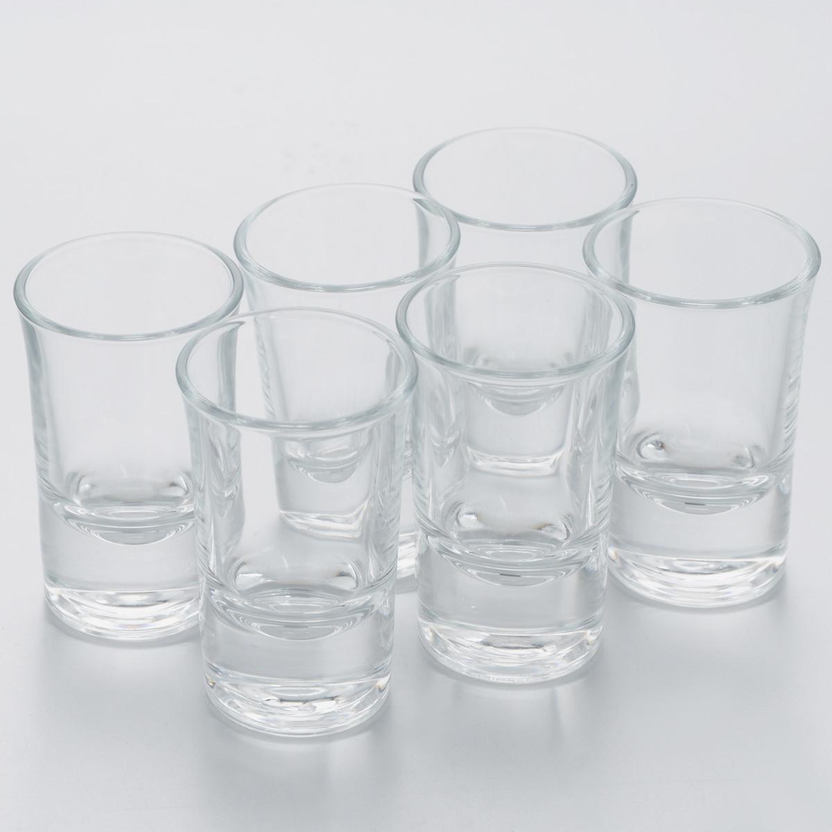 Набор стопок Pasabahce Boston Shots, 40 мл, 6 штАксион Т-33Набор Pasabahce Boston Shots, выполненный из прочного натрий-кальций-силикатного стекла, состоит из шести стопок. Стопки, оснащенные утолщенным дном, прекрасно подойдут для подачи водки или ликера. Эстетичность, функциональность и изящный дизайн сделают набор достойным дополнением к вашему кухонному инвентарю. Набор стопок Pasabahce Boston Shots украсит ваш стол и станет отличным подарком к любому празднику. Можно использовать в микроволновой печи и мыть в посудомоечной машине.Диаметр стопки по верхнему краю: 4 см. Высота стопки: 7 см.