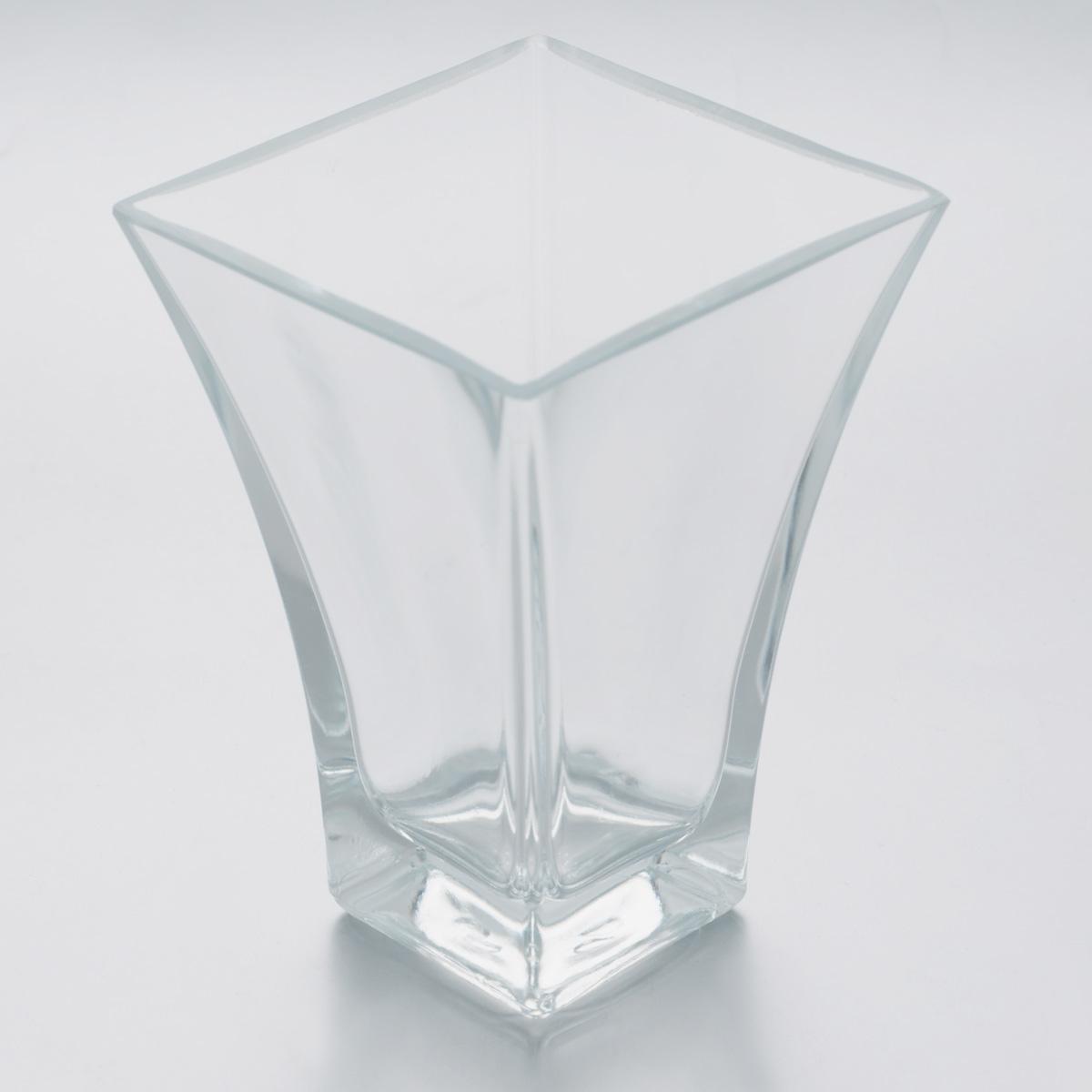 Ваза Pasabahce Botanica, высота 14 см. 80147BFS-80423Ваза Pasabahce Botanica, выполненная из натрий-кальций-силикатного стекла, сочетает в себе изысканный дизайн с максимальной функциональностью. Такая ваза подойдет для декора интерьера. Кроме того - это отличный вариант подарка для ваших близких и друзейМожно мыть в посудомоечной машине. Размер вазы по верхнему краю: 9,5 х 9,5 см.Высота: 14 см.
