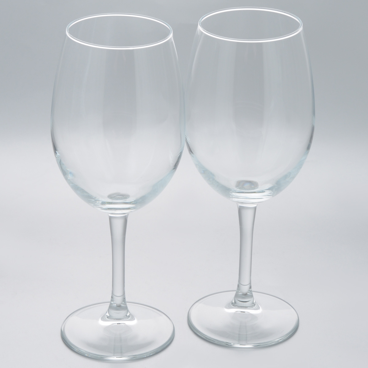 Набор бокалов Pasabahce Classique, 630 мл, 2 штGE01-410Набор Pasabahce Classique состоит из двух бокалов, выполненных из прочного натрий-кальций-силикатного стекла.Бокалы предназначены для подачи вина или других напитков. Они сочетают в себе элегантный дизайн и функциональность. Набор бокалов Pasabahce Classique прекрасно оформит праздничный стол и создаст приятную атмосферу за романтическим ужином. Такой набор также станет хорошим подарком к любому случаю. Можно мыть в посудомоечной машине.Высота бокала: 24 см.Диаметр бокала (по верхнему краю): 7 см.