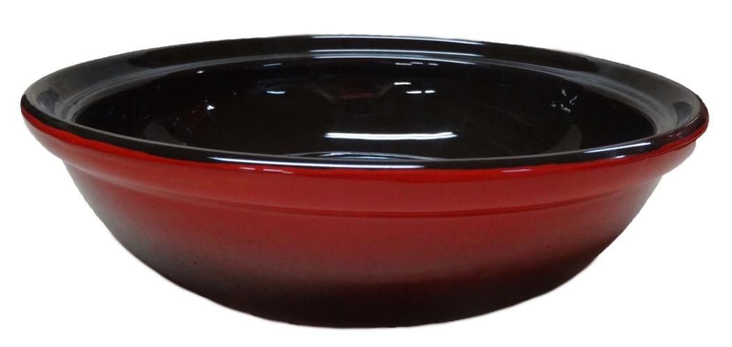 Салатник Борисовская керамика Модерн, цвет: красный, черный, 1 лVT-1520(SR)Салатник Борисовская керамика Модерн выполнен из высококачественной глазурованной керамики. Этот удобный салатник придется по вкусу любителям здоровой и полезной пищи. Благодаря современной удобной форме, изделие многофункционально и может использоваться хозяйками на кухне как в виде салатника, так и для запекания продуктов, с последующим хранением в нем приготовленной пищи. Посуда термостойкая. Можно использовать в духовке и микроволновой печи. Диаметр (по верхнему краю): 22 см.Высота стенки: 6 см.