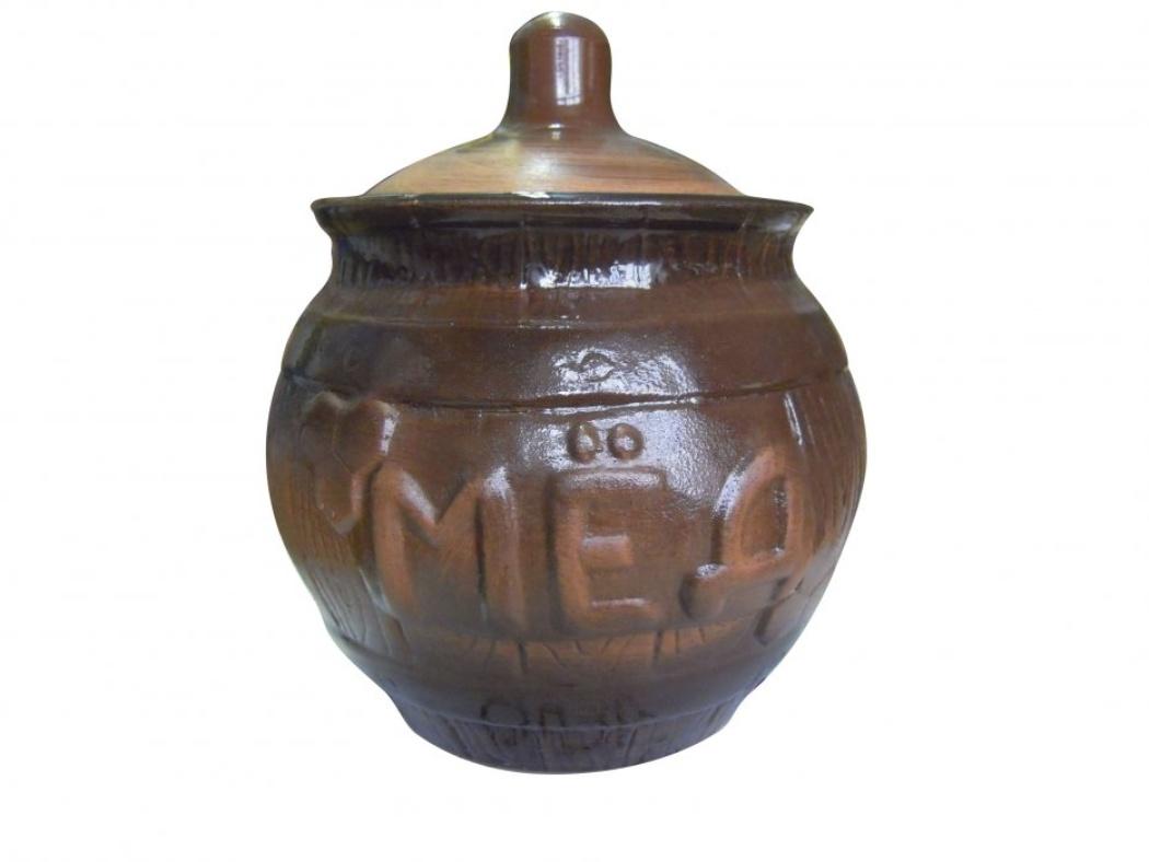 Горшочек для меда Борисовская керамика Cтандарт, 0,9 л. СТР00000391VT-1520(SR)Удобный горшочек для меда Борисовская керамика Cтандарт, выполненный из высококачественной керамики, предназначен для хранения меда и имеет оригинальный эффект старины. Но универсальность керамики позволяет хранить в нем любые продукты и даже запекать. Идеально впишется в любом интерьере.Высота горшочка - 16 см.Диаметр горшочка - 14 см.