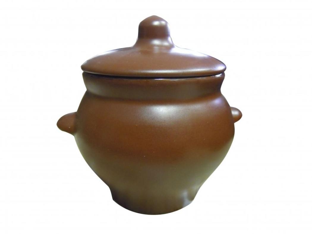 Горшок для жаркого Борисовская керамика Шелк, с ручками, 0,5 лШЛК00000341Горшок для жаркого Борисовская керамика Шелк выполнен из высококачественной керамики. Внешняя поверхность гладкая, на ощупь напоминающая шелк. Керамика абсолютно безопасна, поэтому изделие придется по вкусу любителям здоровой и полезной пищи. Горшок для запекания с крышкой очень вместителен и имеет удобную форму. Идеально подходит для одной порции. Уникальные свойства красной глины и толстые стенки изделия обеспечивают эффект русской печи при приготовлении блюд. Это значит, что еда будет очень вкусной, сочной и здоровой.Посуда жаропрочная. Можно использовать в духовке и микроволновой печи.Диаметр горшочка: 10,5 см. Высота: 10 см.
