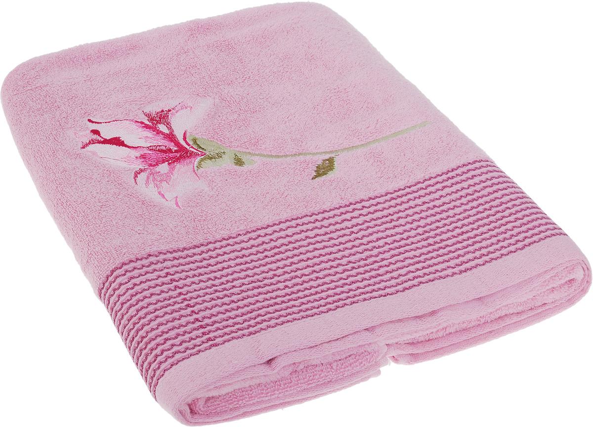 Полотенце Soavita Alice, цвет: розовый, 70 х 140 см1004900000360Полотенце Soavita Alice выполнено из 100% хлопка. Изделие отлично впитывает влагу, быстро сохнет, сохраняет яркость цвета и не теряет форму даже после многократных стирок. Полотенце очень практично и неприхотливо в уходе. Оно создаст прекрасное настроение и украсит интерьер в ванной комнате.