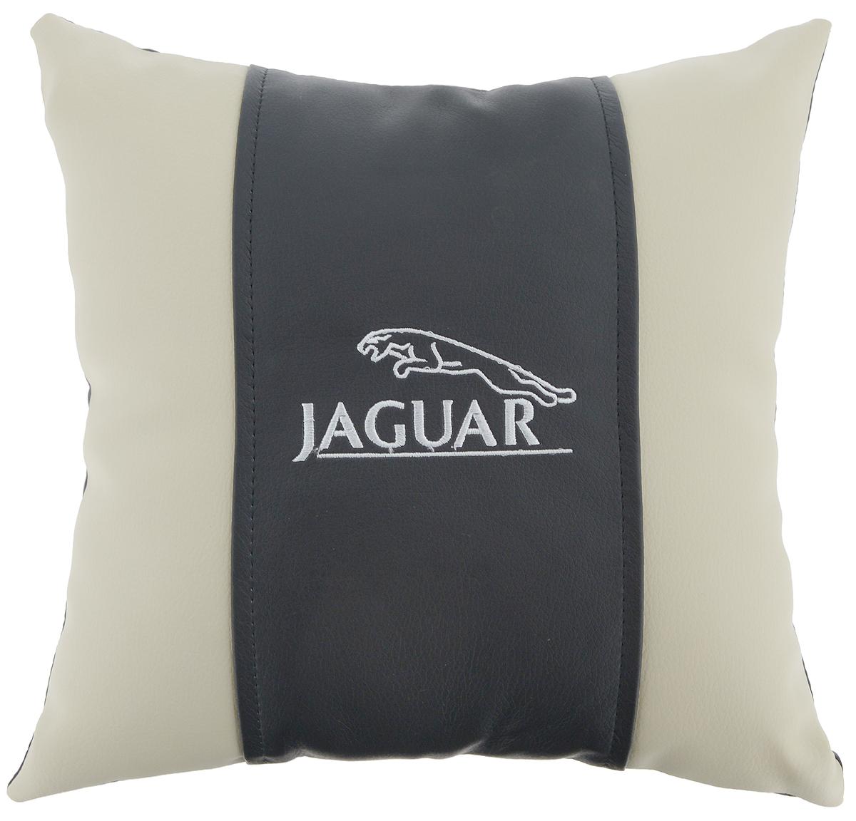 Подушка на сиденье Autoparts Jaguar, 30 х 30 см94672Подушка на сиденье Autoparts Jaguar создана для тех, кто весь свой день вынужден проводить за рулем. Чехол выполнен из высококачественной дышащей экокожи. Наполнителем служит холлофайбер. На задней части подушки имеется змейка.Особенности подушки:- Хорошо проветривается.- Предупреждает потение.- Поддерживает комфортную температуру.- Обминается по форме тела.- Улучшает кровообращение.- Исключает затечные явления.- Предупреждает развитие заболеваний, связанных с сидячим образом жизни. Подушка также будет полезна и дома - при работе за компьютером, школьникам - при выполнении домашних работ, да и в любимом кресле перед телевизором.