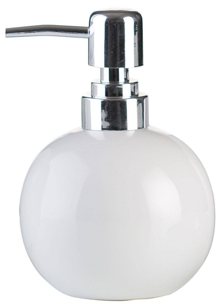 Дозатор для жидкого мыла Axentia Leandr391602Дозатор для жидкого мыла Axentia Leandr изготовлен из натуральной и элегантной керамики белого цвета и нержавеющей стали. Изделие превосходно дополнит интерьер вашей ванной комнаты или кухни, отлично сочетается с другими аксессуарами из коллекции Leandr.Высота дозатора: 13,5 см.