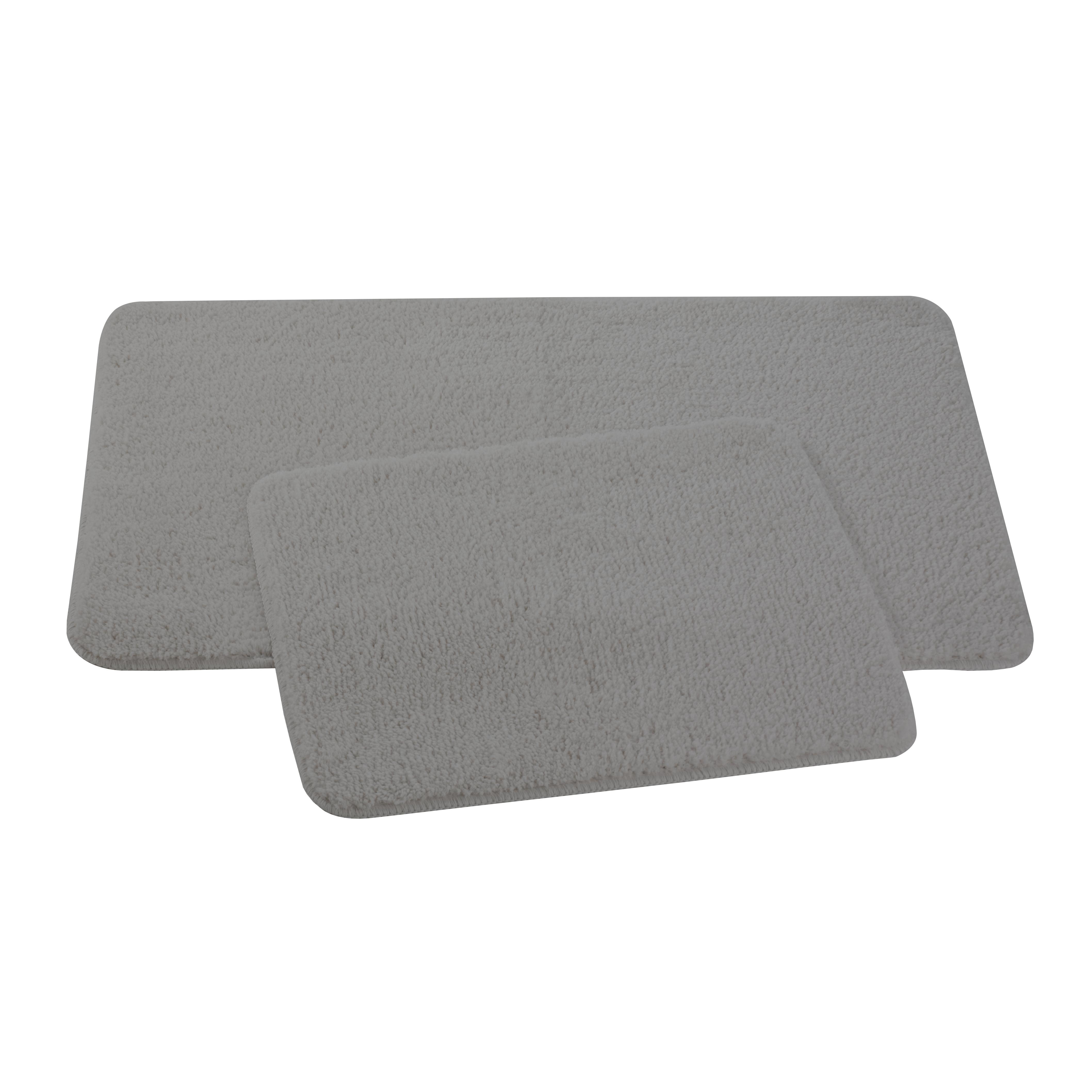 Набор ковриков для ванной и туалета Axentia, цвет: серый, 2 шт391602Набор Axentia, выполненный из микрофибры (100% полиэстер), состоит из двух стеганых ковриков для ванной комнаты и туалета. Противоскользящее основание изготовлено из термопластичной резины и подходит для полов с подогревом. Коврики мягкие и приятные на ощупь, отлично впитывают влагу и быстро сохнут. Высокая износостойкость ковриков и стойкость цвета позволит вам наслаждаться покупкой долгие годы. Можно стирать в стиральной машине. Размер ковриков: 50 х 80 см; 50 х 40 см.Высота ворса 1,5 см.