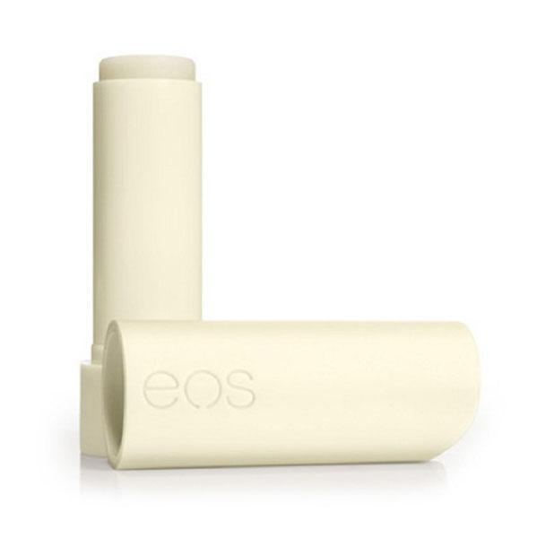 EOS Бальзам для губ стик Vanilla Bean, 4 гFS-00897EOS Бальзам для губ Vanilla Bean содержит экстракт плодов ванинли. Бальзам на 95% органический, на 100% натуральный, не содержит парабенов и петролатум. Содержит антиоксиданты богатые витамином Е, успокаивающие масло ши и масло жожоба, EOS сохранит ваши губы увлажненными, мягкими и сенсационно гладкими. Необычный привлекательный дизайн, приятный на ощупь, тонкий аромат ванили, любопытсво окружающих и Ваша улыбка - все это бальзам для губ EOS.