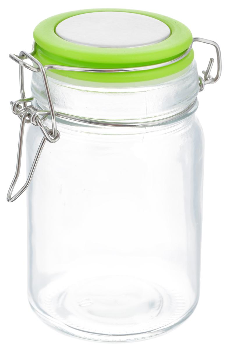 Банка для хранения Zeller, цвет: прозрачный, салатовый, 360 млVT-1520(SR)Банка Zeller выполнена из прочного стекла и оснащена пластиковой крышкой. Металлическая клипса герметично закрывает крышку, что позволяет продуктам дольше оставаться свежими и ароматными. Изделие прекрасно подходит для хранения разнообразных специй.Такая банка станет достойным дополнением к вашему кухонному инвентарю. Диаметр по верхнему краю: 6 см.Высота емкости (с учетом крышки): 12 см.