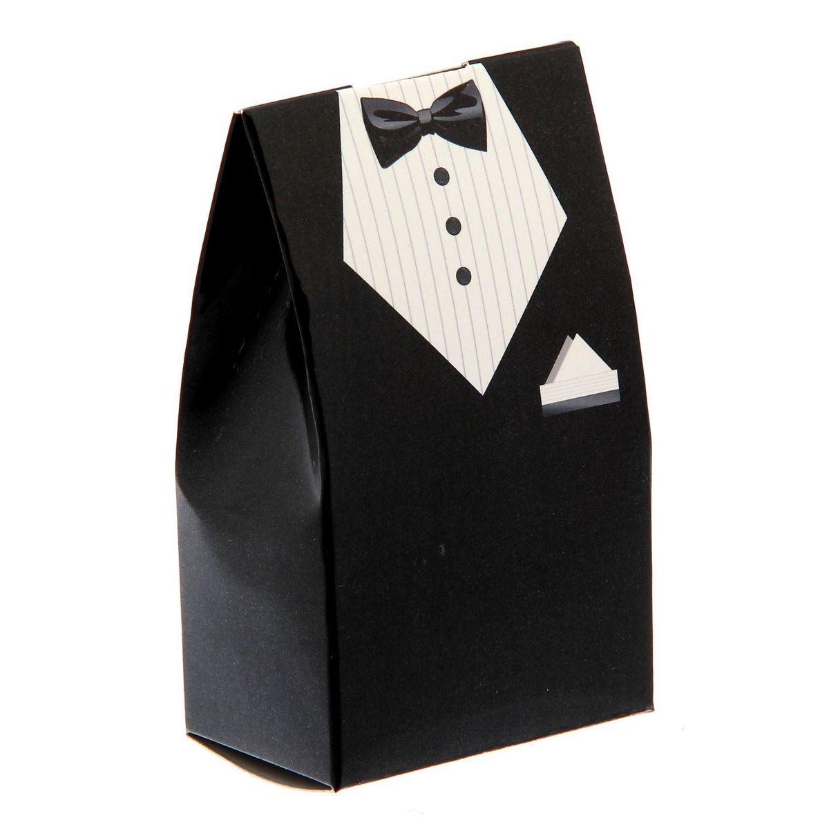 Бонбоньерка свадебная Sima-land Костюм жениха, цвет: мульти, 5,8 x 0,1 x 10 смMB860Новая разработка - бонбоньерки из картона! Такие аксессуары пользуются большой популярностью при оформлении свадебных столов: в них кладут угощение и комплименты для гостей. Бонбоньерки легко складываются. При разработке дизайна учтены самые последние модные тенденции, чтобы вы подобрали бонбоньерки под любое стилевое оформление.