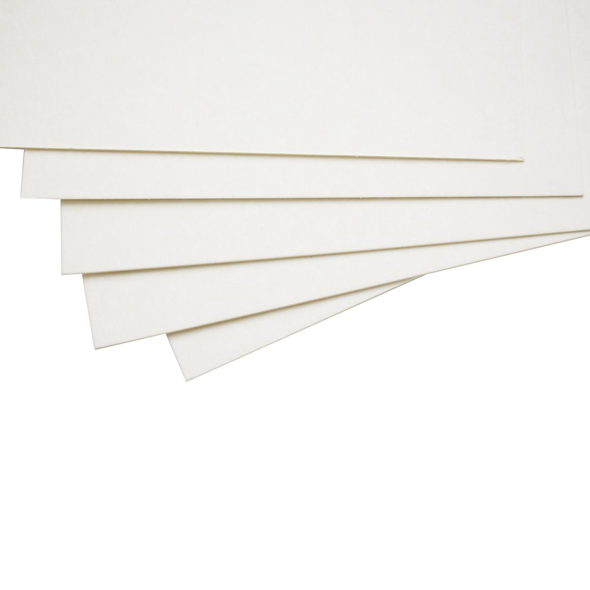 Картон пивной ЧипАрт, толщина 1 мм, 21 х 30 см, 5 листов1106100Картон является незаменимой частью многих работ в скрапбукинге. Пивной картон состоит из множества тонких слоев, и легко режется, поэтому прекрасно подойдет для изготовления страниц в альбомах.