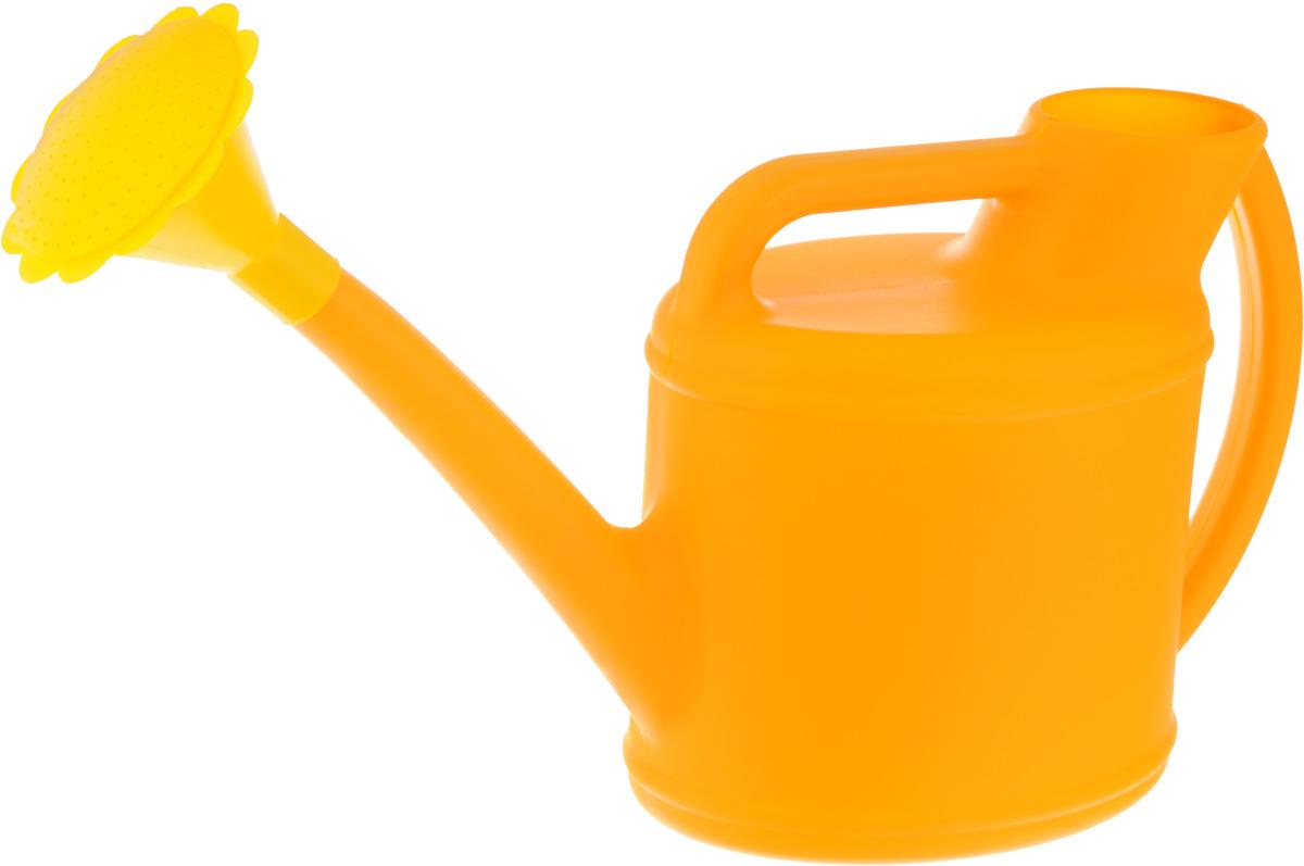 Лейка Альтернатива, с рассеивателем, цвет: желтый, 7 л. M25826.295-875.0Садовая лейка Альтернатива предназначена для полива насаждений на приусадебном участке. Она выполнена из пластика и имеет небольшую массу, что позволяет экономить силы при поливе. Удобство в использовании также обеспечивается за счет эргономичной ручки лейки. Выпуклая насадка позволяет производить равномерный полив, не прибивая растения. Лейка имеет большое горлышко для наливания воды. Лейка Альтернатива станет незаменимой на вашем огороде или в саду.Размер лейки: 56 х 17 х 28 см.