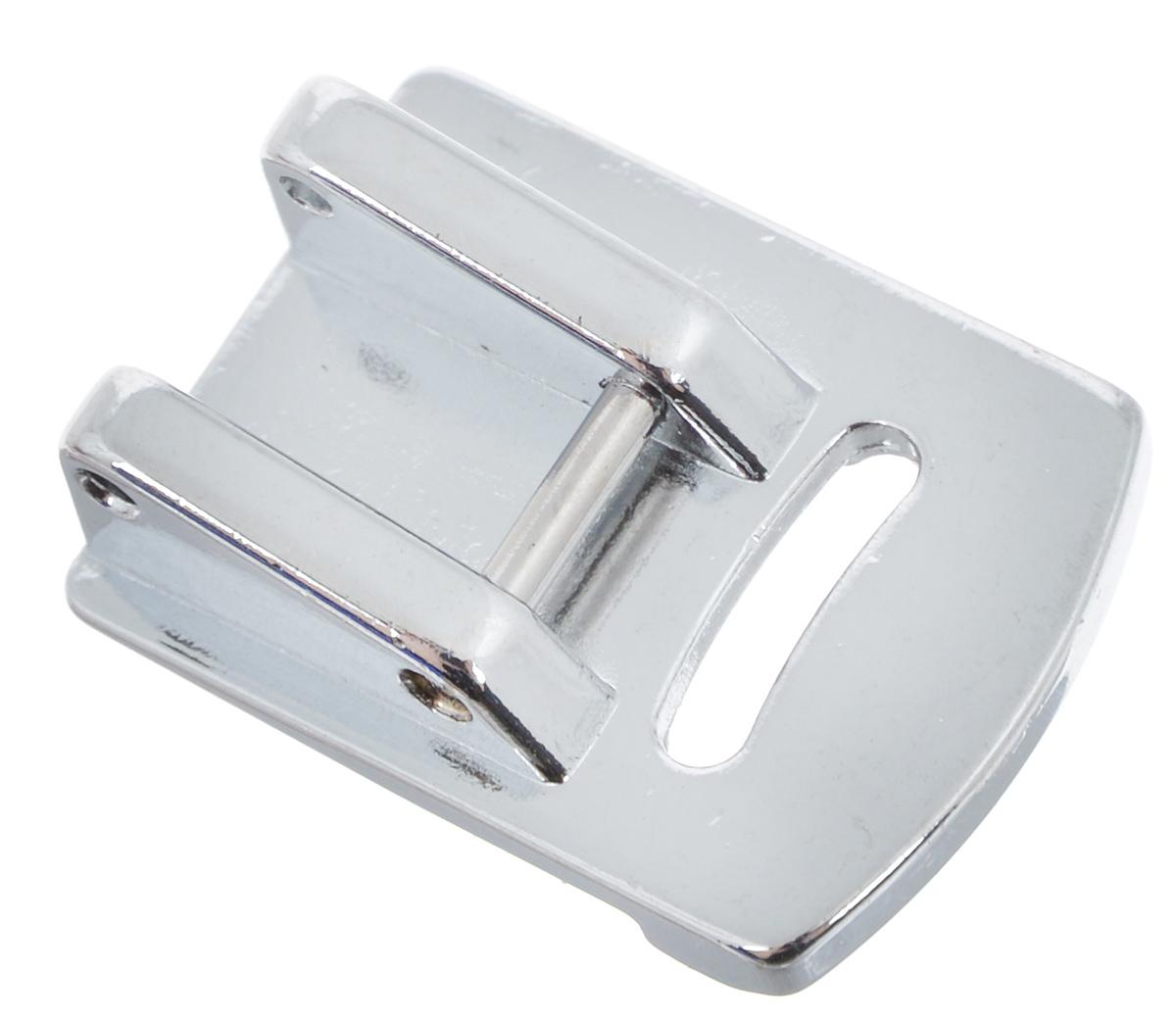 Лапка для швейной машины Aurora, для присбаривания (посадки)фильтры д/кофе 4/40Лапка для швейной машины Aurora предназначена для создания мягкой сборки на тонких тканях. Цельнометаллическая лапка с бортиком на подошве позволяет сделать мягкую сборку на очень тонких и эластичных материалах. Вам не придется закладывать сборку вручную или делать это в несколько этапов: прошить прямую строчку, а потом, аккуратно подтягивая за кончики нитей, формировать сборку. Вы добьетесь красивой и качественной сборки за одну операцию без усилий. Подходит для большинства современных бытовых швейных машин. Инструкция по использованию прилагается.