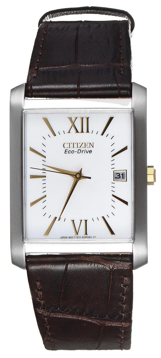Часы наручные мужские Citizen Eco-Drive, цвет: стальной, коричневый. BM6789-02ABM8434-58AEСтильные мужские часы Citizen Eco-Drive выполнены из нержавеющей стали. Циферблат изделия оформлен символикой бренда.Корпус часов оснащен степенью влагозащиты 3 bar, а также устойчивым к царапинам минеральным стеклом. Циферблат дополнен индикатором даты. Элегантный кожаный ремешок, идеально дополняющий прямоугольный корпус изделия, оформлен фактурным тиснением под кожу рептилии и оснащен практичной пряжкой, которая позволит максимально комфортно снимать и надевать часы.Современная технология Eco-Drive позволяет заряжать аккумулятор изделия с помощью любого естественного или искусственного источника света.Изделие поставляется в фирменной упаковке.Часы Citizen Eco-Drive подчеркнут мужской характер и отменное чувство стиля у их обладателя.