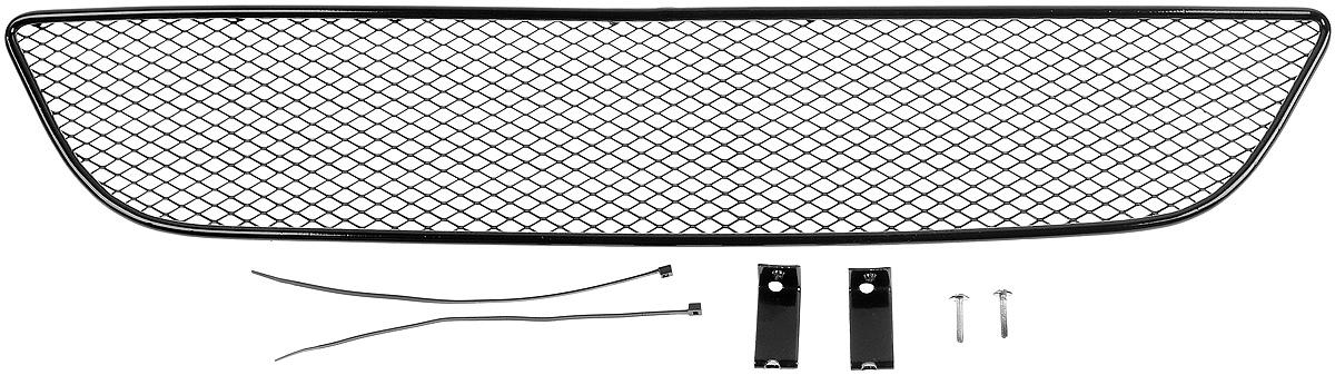 Сетка для защиты радиатора Novline-Autofamily, внешняя, для Suzuki SX4 (2014-)DW90Сетка для защиты радиатора Novline-Autofamily изготовлена из антикоррозионного материала, что гарантирует отсутствие ржавчины в процессе эксплуатации. Изделие устанавливается на штатную решетку переднего бампера автомобиля, защищая таким образом радиатор от попадания камней, крупных насекомых, мелких птиц. Простая установка делает это изделие необыкновенно удобным. В отличие от универсальных сеток, для установки которых требуется снятие бампера, то есть наличие специализированных навыков и дополнительного оборудования (подъемник и так далее), для установки этой сетки понадобится 20 минут времени и отвертка. Данный продукт разработан индивидуально под каждый бампер автомобиля. Внешняя защитная сетка радиатора полностью повторяет геометрию решетки бампера и гармонично вписывается в общий стиль автомобиля.