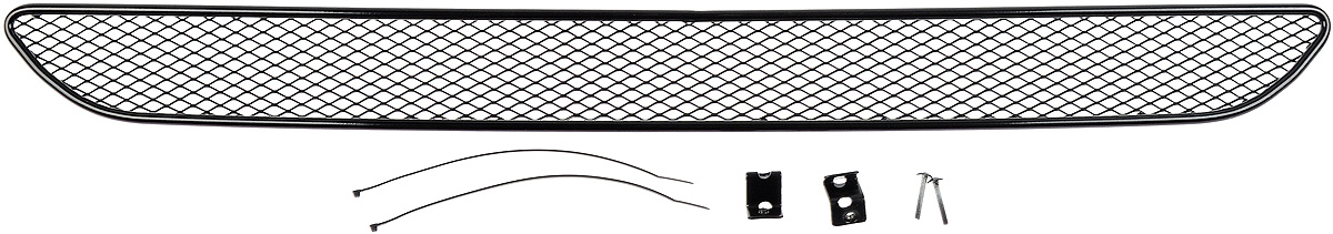 Сетка для защиты радиатора Novline-Autofamily, внешняя, для Ford Fiesta (2015-)1004900000360Сетка для защиты радиатора Novline-Autofamily изготовлена из антикоррозионного материала, что гарантирует отсутствие ржавчины в процессе эксплуатации. Изделие устанавливается на штатную решетку переднего бампера автомобиля, защищая таким образом радиатор от попадания камней, крупных насекомых, мелких птиц. Простая установка делает это изделие необыкновенно удобным. В отличие от универсальных сеток, для установки которых требуется снятие бампера, то есть наличие специализированных навыков и дополнительного оборудования (подъемник и так далее), для установки этой сетки понадобится 20 минут времени и отвертка. Данный продукт разработан индивидуально под каждый бампер автомобиля. Внешняя защитная сетка радиатора полностью повторяет геометрию решетки бампера и гармонично вписывается в общий стиль автомобиля.