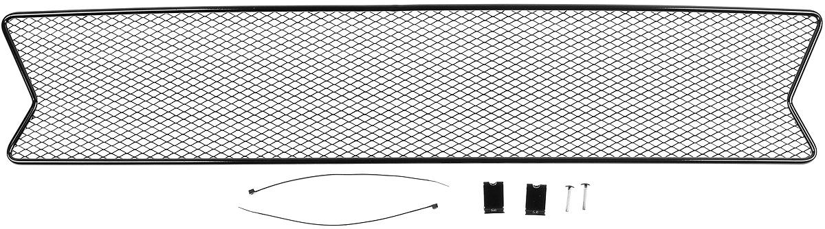 Сетка для защиты радиатора Novline-Autofamily, внешняя, для Renault Logan (2014-)1004900000360Сетка для защиты радиатора Novline-Autofamily изготовлена из антикоррозионного материала, что гарантирует отсутствие ржавчины в процессе эксплуатации. Изделие устанавливается на штатную решетку переднего бампера автомобиля, защищая таким образом радиатор от попадания камней, крупных насекомых, мелких птиц. Простая установка делает это изделие необыкновенно удобным. В отличие от универсальных сеток, для установки которых требуется снятие бампера, то есть наличие специализированных навыков и дополнительного оборудования (подъемник и так далее), для установки этой сетки понадобится 20 минут времени и отвертка. Данный продукт разработан индивидуально под каждый бампер автомобиля. Внешняя защитная сетка радиатора полностью повторяет геометрию решетки бампера и гармонично вписывается в общий стиль автомобиля.