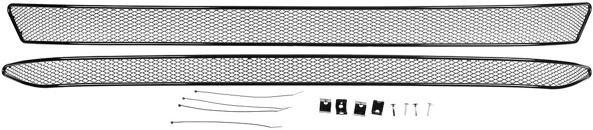 Сетка для защиты радиатора Novline-Autofamily, внешняя, для Skoda Superb (2015-), 2 шт1004900000360Сетка для защиты радиатора Novline-Autofamily изготовлена из антикоррозионного материала, что гарантирует отсутствие ржавчины в процессе эксплуатации. Изделие устанавливается на штатную решетку переднего бампера автомобиля, защищая таким образом радиатор от попадания камней, крупных насекомых, мелких птиц. Простая установка делает это изделие необыкновенно удобным. В отличие от универсальных сеток, для установки которых требуется снятие бампера, то есть наличие специализированных навыков и дополнительного оборудования (подъемник и так далее), для установки этой сетки понадобится 20 минут времени и отвертка. Данный продукт разработан индивидуально под каждый бампер автомобиля. Внешняя защитная сетка радиатора полностью повторяет геометрию решетки бампера и гармонично вписывается в общий стиль автомобиля.