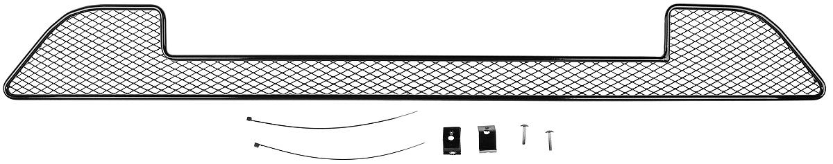 Сетка для защиты радиатора Novline-Autofamily, внешняя, для Datsun mi-DO (2015-)1004900000360Сетка для защиты радиатора Novline-Autofamily изготовлена из антикоррозионного материала, что гарантирует отсутствие ржавчины в процессе эксплуатации. Изделие устанавливается на штатную решетку переднего бампера автомобиля, защищая таким образом радиатор от попадания камней, крупных насекомых, мелких птиц. Простая установка делает это изделие необыкновенно удобным. В отличие от универсальных сеток, для установки которых требуется снятие бампера, то есть наличие специализированных навыков и дополнительного оборудования (подъемник и так далее), для установки этой сетки понадобится 20 минут времени и отвертка. Данный продукт разработан индивидуально под каждый бампер автомобиля. Внешняя защитная сетка радиатора полностью повторяет геометрию решетки бампера и гармонично вписывается в общий стиль автомобиля.