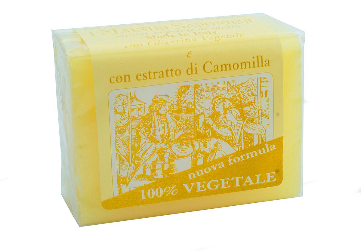 Iteritalia Мыло натуральное глицериновое с экстактом ромашки, 150 г834/833ASНатуральное косметическое глицериновое мыло коллекции МАСТЕРА МЫЛОВАРЫ изготовлено из 100% растительных ингредиентов в соответствии с античными традициями мастеров Саронно. Обогащено глицерином и экстрактом ромашки, обладает очищающим и смягчающим действием. Подходит для всех типов кожи.
