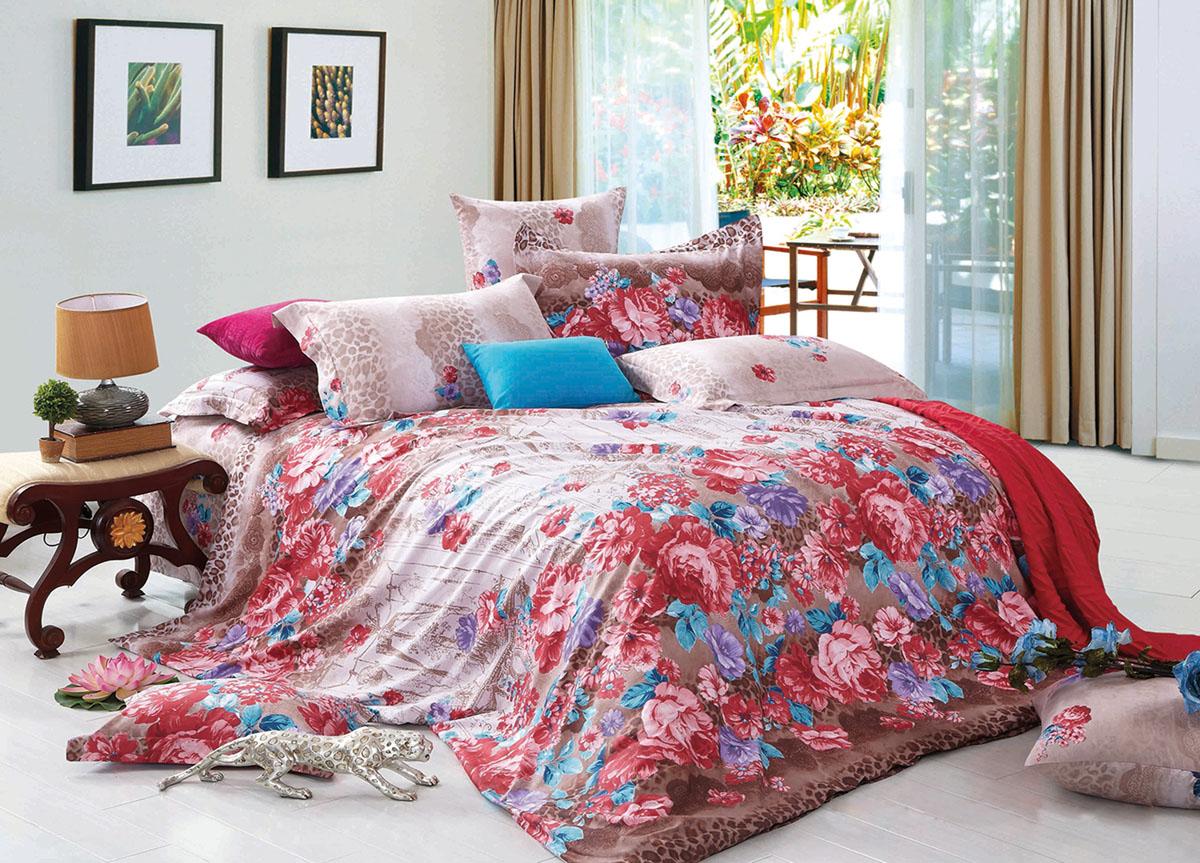 Комплект белья Primavera Classic. Розовые цветы, 2-спальный, наволочки 70x70, цвет: розовый68/5/3Наволочки с декоративным кантом особенно подойдут, если вы предпочитаете класть подушки поверх покрывала. Кайма шириной 5-10см с трех или четырех сторон делает подушки визуально более объемными, смотрятся они очень аккуратно, даже парадно. Еще такие наволочки называют оксфордскими или наволочками «с ушками».Сатин – прочная и плотная ткань с диагональным переплетением нитей. Хлопковый сатин по мягкости и гладкости уступает атласу, зато не будет соскальзывать с кровати. Сатиновое постельное белье легко переносит стирку в горячей воде, не выцветает. Прослужит комплект из обычного сатина меньше, чем из сатина повышенной плотности, но дольше белья из любой другой хлопковой ткани. Сатин приятен на ощупь, под ним комфортно спать летом и зимой.Производство «Примавера» находится в Китае, что позволяет сократить расходы на доставку хлопка. Поэтому цены на это постельное белье более чем скромные и это не сказывается на качестве. Сатин очень гладкий, мягкий, но при этом, невероятно прочный. Он прослужит вам действительно долго и не полиняет. Для нанесения рисунков используют только безопасные для окружающей среды и здоровья человека красители.