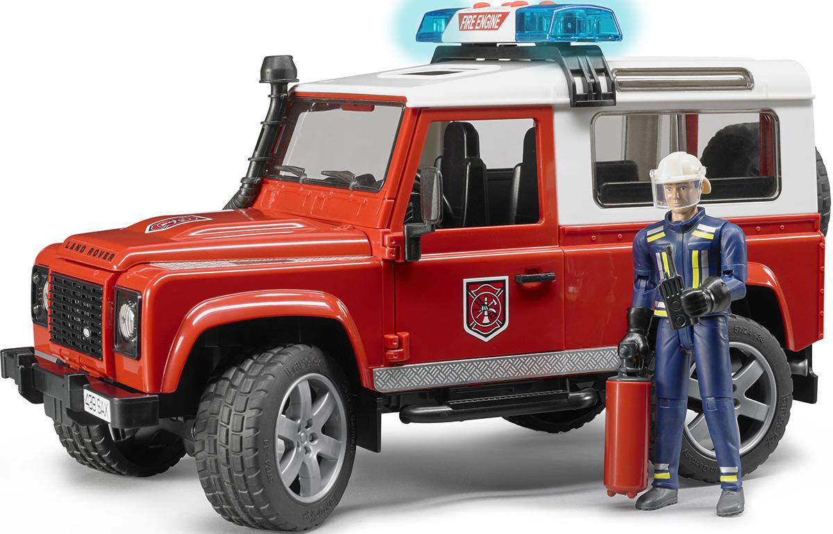 Стекла кабины из прозрачного и небьющегося пластика, 2 боковые двери открываются, запасное колесо на задней двери, багажник открывается, съемные задние сиденья, капот открывается фиксируется упором, позволяя рассмотреть блок двигателя, Пожарный в форме со шлемом, перчатками, рацией и огнетушителем. Ходовая часть: Подпружиненные передняя и задняя оси. Передняя часть управляемая. Имеется фаркоп. В наборе также световой и звуковой модуль