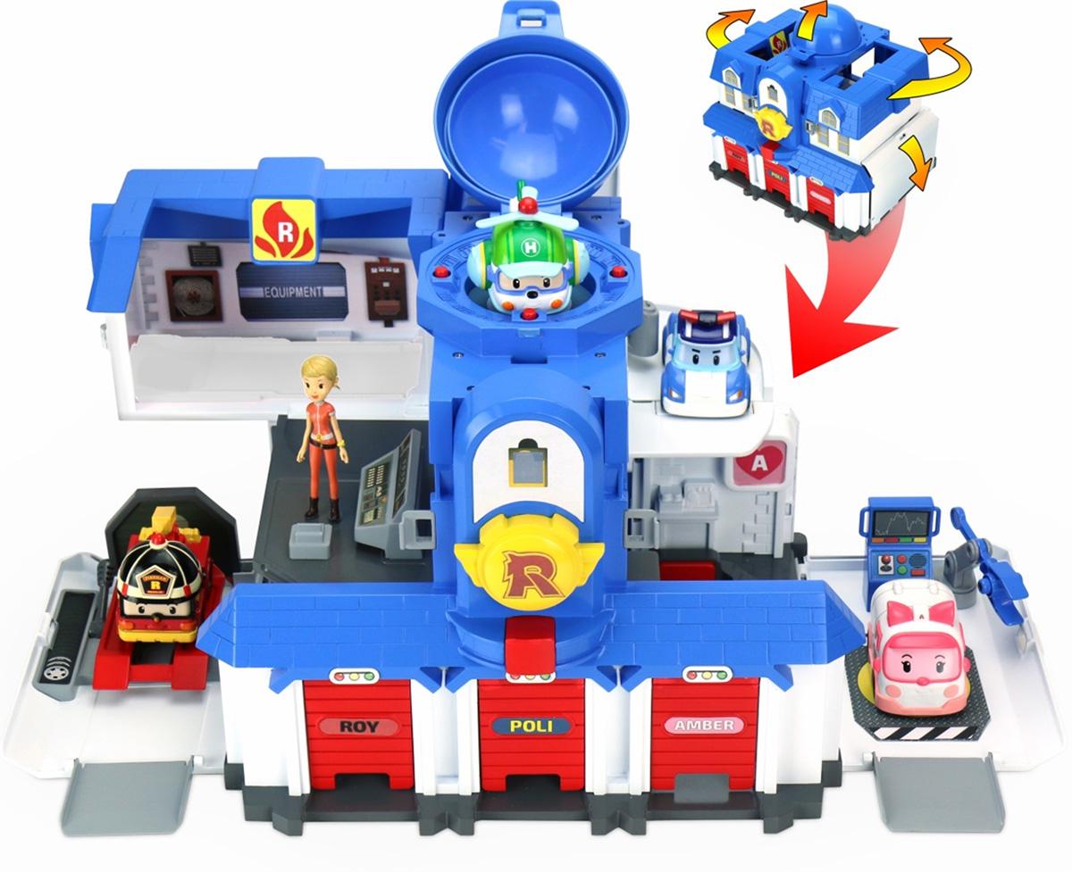 Большой игровой набор создан по мотивам популярного мультсериала Robocar Poli. У домика есть три гаража, заправка, несколько комнат, ремонтный отсек и место для посадки вертолета. Дверцы гаражей легко открываются, и машинки-спасатели всегда могут быстро выехать на помощь. Комплект: штаб-квартира, фигурка Джин, набор наклеек. Машинки в комплект не входят! В собранном состоянии площадь 80х60 см. Вес 2,29 кг. Размер 24,1*30,5*40 см. Возраст от 3 до 7 лет.