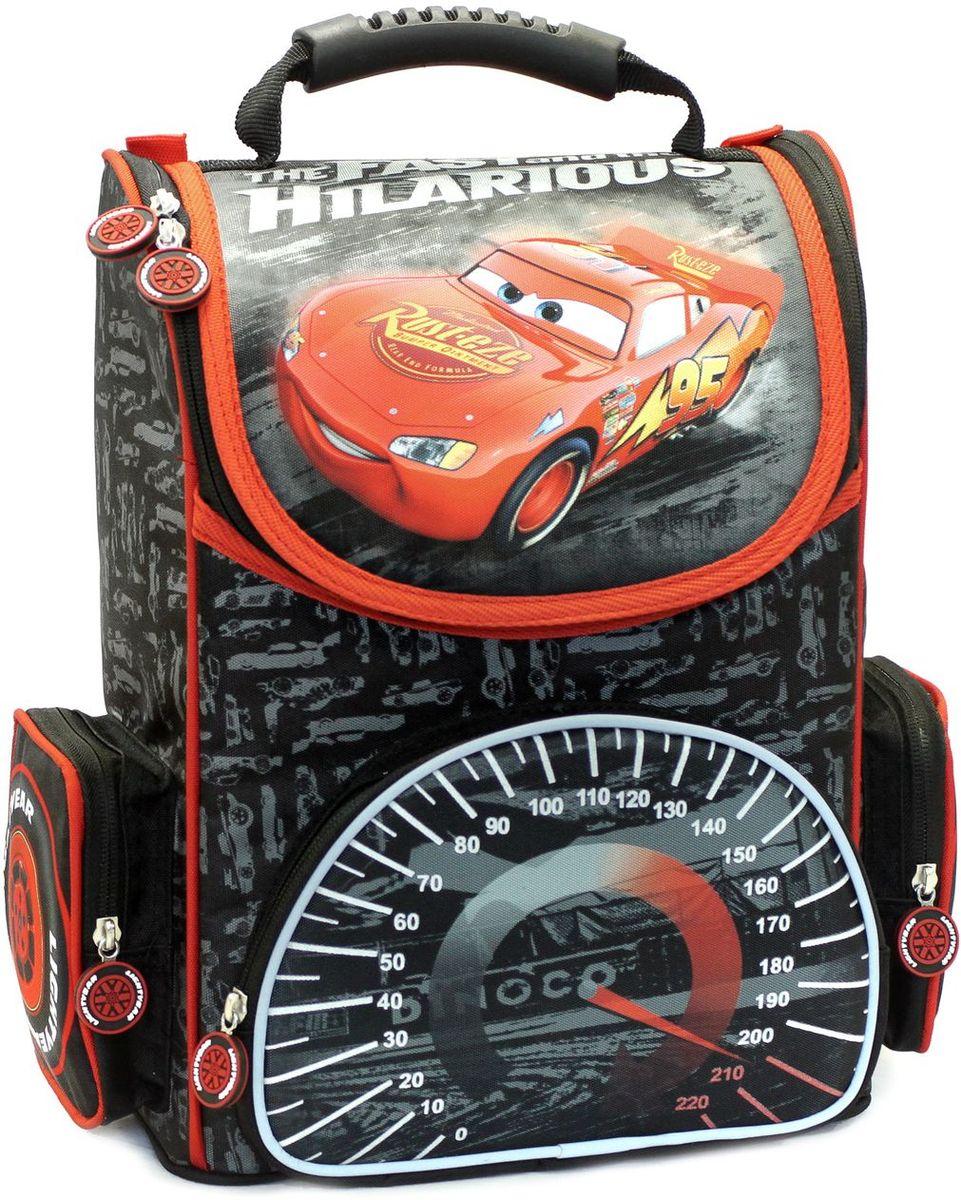 Disney Школьный ранец Тачки Ускорение ортопедическийDH16-SAT-03-01Ортопедический рюкзак «Ускорение» ТМ «Disney/Pixar» Тачки – это красивый и удобный помощник. Он имеет прочный каркас, поэтому вещи в нем не помнутся. В его отделение на молнии легко поместятся предметы форматом А4. Внутри есть два отсека для тетрадей и приспособление для ключей. Сверху рюкзак закрывается прочным клапаном, на внутренней стороне которого находится кармашек для личной карточки. Снаружи есть лицевой карман на молнии, идеально подходящий для пенала, и два боковых кармана на молнии. Ортопедическая спинка, созданная по специальной технологии из дышащего материала, равномерно распределяет нагрузку. Мягкие регулируемые ремни имеют удлиненные держатели для облегчения фиксации длины. Светоотражающие элементы на лямках и лицевом кармане повышают безопасность ребенка на дороге в темное время суток. Ручка из мягкого пластика удобна для переноски ранца в руке. Пластиковые ножки защищают дно от загрязнения. Аксессуар декорирован привлекательным принтом и подвесками на молнии.