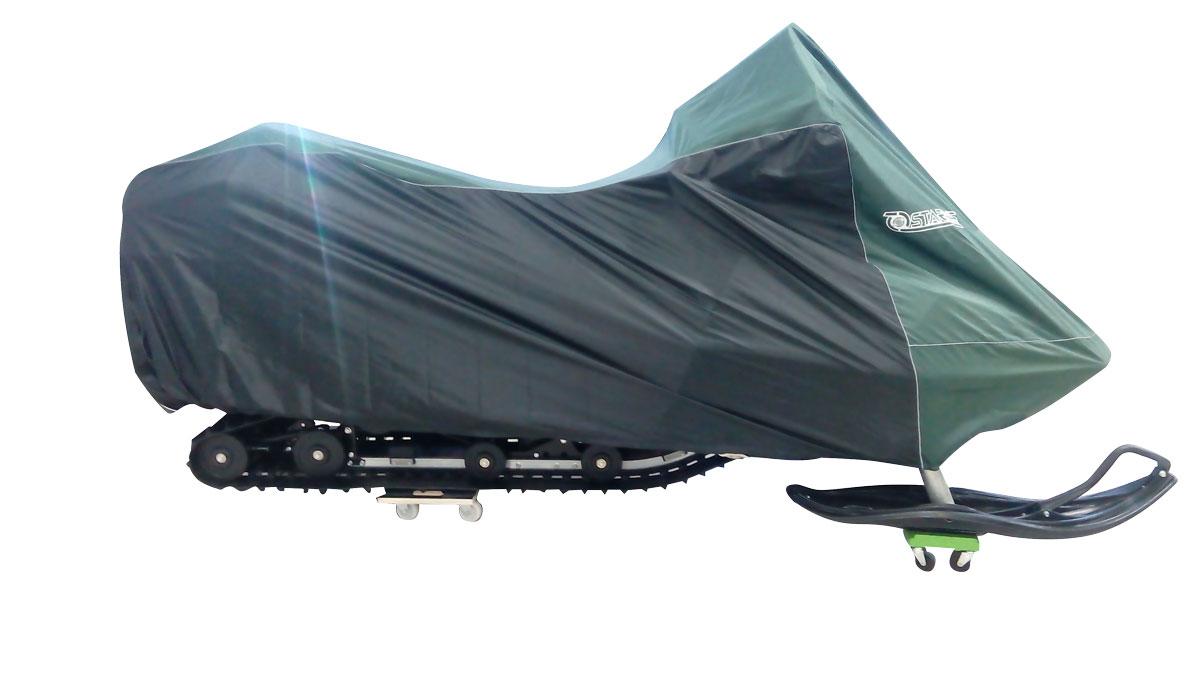 Чехол Starks, для снегохода L (600), цвет: темно-зеленый, черныйPANTERA SPX-2RSЧехол Starks предназначен для хранения снегохода. Он изготовлен из высокопрочной плотной тентовой ткани с высоким показателем водоупорности. Резинки по краям фиксируют чехол.Чтобы любое транспортное средство служило долгие годы, необходимо не только соблюдать все правила его эксплуатации, но и правильно его хранить. Негативное влияние на состояние мототехники оказывают прямые солнечные лучи, влага, пыль, которые не только могут вызвать коррозию внешних металлических поверхностей, но и вывести из строя внутренние механизмы транспортных средств. Необходимо создать условия для снижения воздействия этих негативных факторов. Именно для этого и предназначены чехлы. Сумка для транспортировки и хранения входит в комплект.