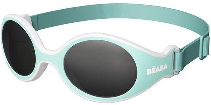 Beaba Солнцезащитные очки детские Clip Strap Sunglasses категория 4 цвет бирюзовыйINT-06501Очки для новорожденных XS Beaba - идеальная защита от агрессивных УФ лучей.Очки Beaba XS с ремешком 4-ой категории защитят кроху от УФ при любых обстоятельствах: на прогулке, на море, в горах.Очки для новорожденных Beaba XS с ремешком.Качество и безопасность с максимальной защитой от ультрафиолетовых лучей (UVA, UVB) - 4 категория. Эргономичная оправа (адаптированные по форме детского носика изгибы). Гибкая оправа с эластичным неопреновым ремешком идеально подойдет для комфорта самых маленьких. Размер легко адаптируется, очки без труда снимаются/одеваются с помощью плавающего ремешка. Ребенку удобно, очки хорошо держаться на голове, при этом не сдавливая и не причиняя дискомфорта. Прочный безопасный материал основы (полипропилен и СЕБС), небьющиеся стекла. С 3х месяцев для ребенка, лежащего в коляске. Сделано во ФранцииОфтальмологи со всего мира все чаще говорят о необходимости защиты детских глаз от агрессивного солнца. Данная тенденция ничуть не является данью моде, а становится острой необходимостью, которую врачи осознали благодаря современным исследованиям.