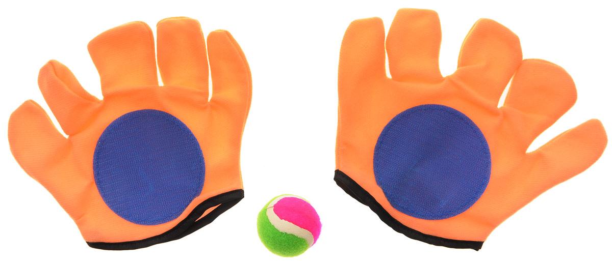 """Игровой набор YG Sport """"Мячеловка"""" обязательно привлечет внимание вашего непоседы! В набор входят две перчатки-липучки и мяч. Перчатки созданы специально для более удобного захватывания мячика: на обозначенной поверхности имеются специальные липучки, которые крепко цепляются за мяч и не дают ему упасть. Набор поможет вам весело и с пользой для здоровья провести время на свежем воздухе. Теперь развивать свою ловкость и меткость стало еще проще!"""