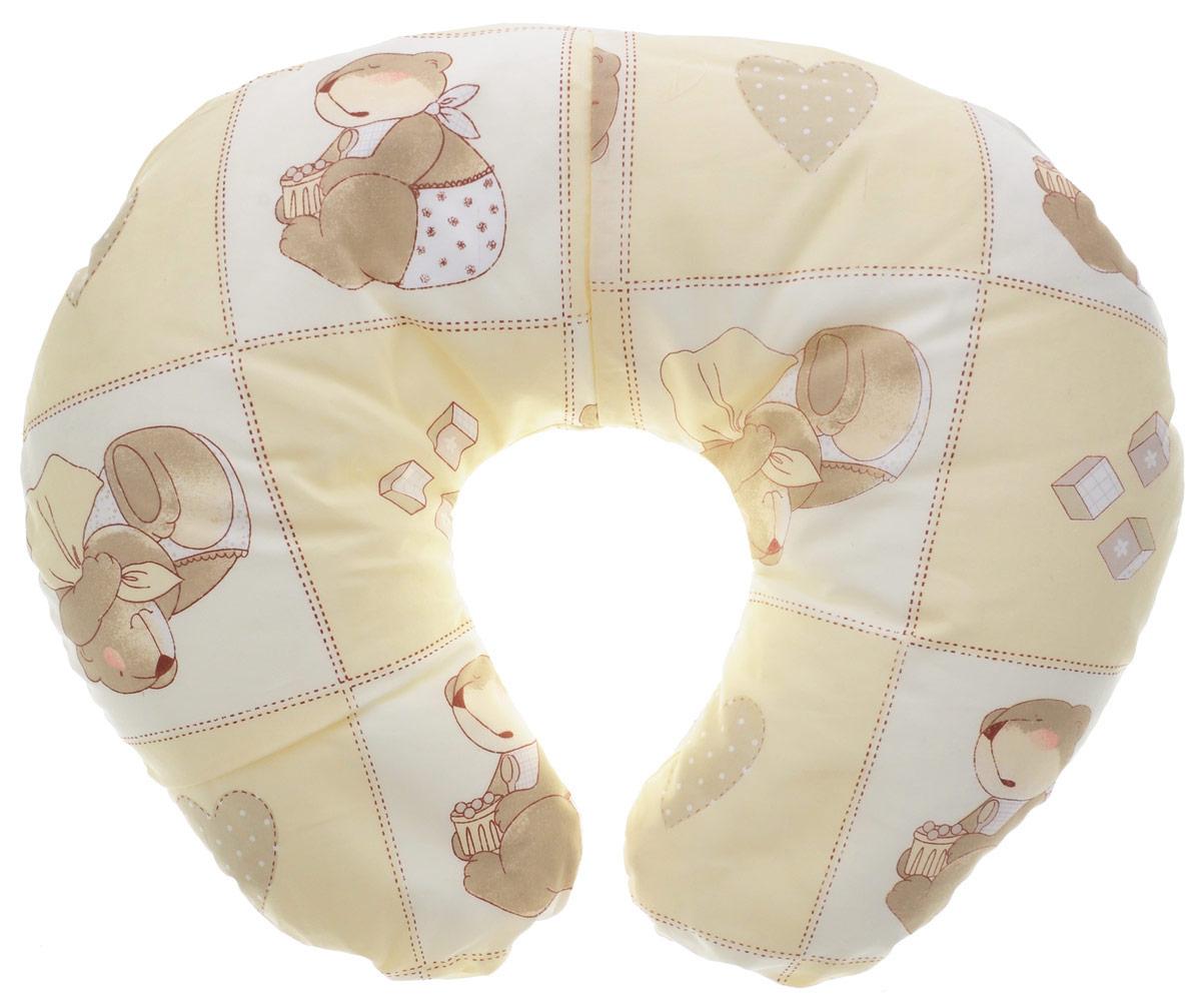 Plantex Подушка для кормящих и беременных мам Comfy Small Мишка цвет бежевыйС018Многофункциональная подушка Plantex Comfy Small. Мишка идеальна для удобства ребенка и его родителей.Зачастую именно эта модель называется подушкой для беременных. Ведь она создана именно для будущих мам с учетом всех анатомических особенностей в этот период. На любом сроке беременности она бережно поддержит растущий животик и поможет сохранить комфортное и безопасное положение во время сна. Также подушка идеально подходит для кормления уже появившегося малыша. Позже многофункциональная подушка поможет ему сохранить равновесие при первых попытках сесть.Чехол подушки выполнен из 100% хлопка и снабжен застежкой-молнией, что позволяет без труда снять и постирать его. Наполнителем подушки служат полистироловые шарики - экологичные, не деформируются сами и хорошо сохраняют форму подушки.Подушка для кормящих и беременных мам Plantex Comfy Small. Мишка - это удобная и практичная вещь, которая прослужит вам долгое время.Подушка поставляется в сумке-чехле.При использовании рекомендуется следующий уход: наволочка - машинная стирка и глажение, подушка с наполнителем - ручная стирка.