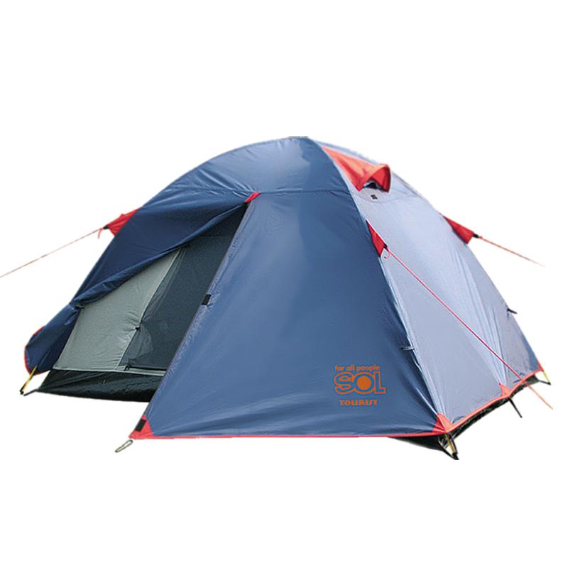 Палатка Sol Tourist 2, цвет: синий. SLT-004. 06SLT-004.06Тramp Sol Tourist 2 - двухслойная палатка с двумя входами. Вход спального отделения продублирован москитной сеткой. Увеличенный тамбур, два вентиляционных клапана, все швы проклеены. Палатка идеальна для туристических походов в весеннее, летнее и осеннее время. Размер: 250 х 220 см. Высота: 120 см. Количество входов: 2. Количество мест: 2. Размер спального места: 210 х 150 см. Количество тамбуров: 2. Тент: полиэстер. Каркас: фибергласс. Дно: армированный полиэтилен (терпаулинг). Полный вес: 3,2 кг.