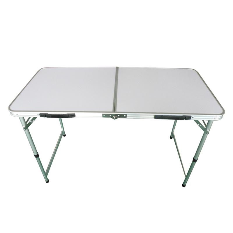 Стол складной Tramp, 120 х 60 х 54/70 см. TRF-003TRF-003Складной стол Tramp - универсальный стол для загородного отдыха и кемпинга. Столешница выполнена из МДФ, а рама из алюминия. Высота стола свободно регулируется, есть два положения: 54 и 70 см. Поверхность столешницы белого цвета. В комплекте предусмотрен тканевый чехол, который защищает от царапин при перевозке и хранении.Размер: 120 х 60 х 54/70 см.Полный вес: 4,2 кг.Диаметр: 22/25 мм.Размер в сложенном виде: 62 х 61,5 х 7 см.Материал рамы: алюминий.Материал столешницы: МДФ 4,2 мм.