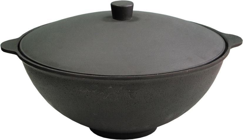 Чаша азиатская чугунная Балезино, с крышкой, 4 л115510Азиатская чаша Балезино изготовлена из качественного литого чугуна и снабжена алюминиевой крышкой. В ней можно приготовить много самых разнообразнейших блюд восточной кухни, но, наверное, самое известное и распространенное блюдо, которое приготавливается в казане, это любимый многими плов.Чугунный казан хорош тем, что блюда в нем никогда не пригорают. Чугун при нагревании обеспечивает лучшее распределение тепла, даже при сравнении с современными материалами. И это его свойство позволяет приготовить вкусные блюда отменного качества. Еще одной важной особенностью чугунной чаши является то, что ее толстые стенки позволяют приготовленному блюду долго оставаться теплым.Можно использовать как на природе, так и в домашних условиях. Подходит для всех типов плит.