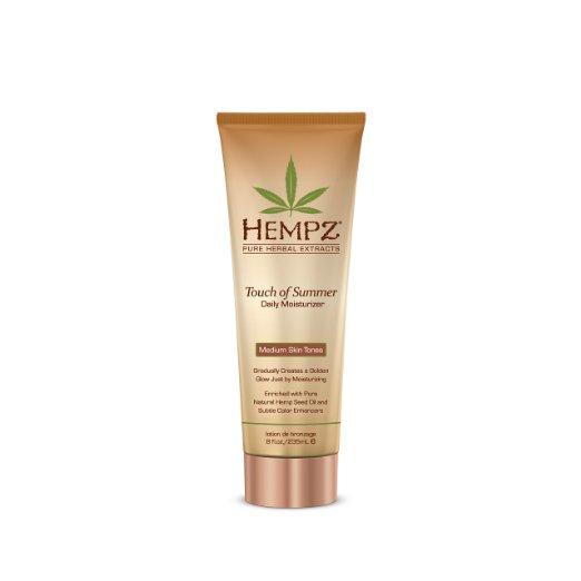 Hempz Молочко для тела с бронзантом темного оттенка Touch of Summer Medium Skin Tonea 235 мл3401315114/3607347395997Молочко для тела с бронзантом темного оттенка Touch of Summer Medium Skin Tonea позволит уже через неделю регулярного использования получить ощутимый результат.Средство обеспечивает полноценный уход благодаря сбалансированному составу: масло и экстрагированные компоненты семян конопли снабжают кожу питательными веществами и соединениями, экстракт корня женьшеня и масло ши оказывают охлаждающее, успокоительное и смягчающее воздействие, группа витаминов А, С и Е снижают влияние свободных радикалов и препятствуют образованию мелких морщин, присутствие в составе специальных бронзирующих частиц позволяет получить ровный и красивый оттенок загара. Состав активных компонентов: конопляное и масло семян макадамии и дерева ши, экстракты семян конопли, женьшеня, календулы, ромашки, алое вера, группа витаминов А, С и Е.